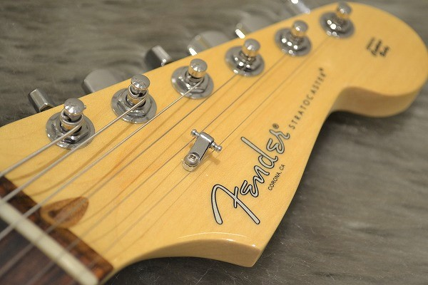 American Professional Stratocaster HSS Shawbuckerのヘッド画像