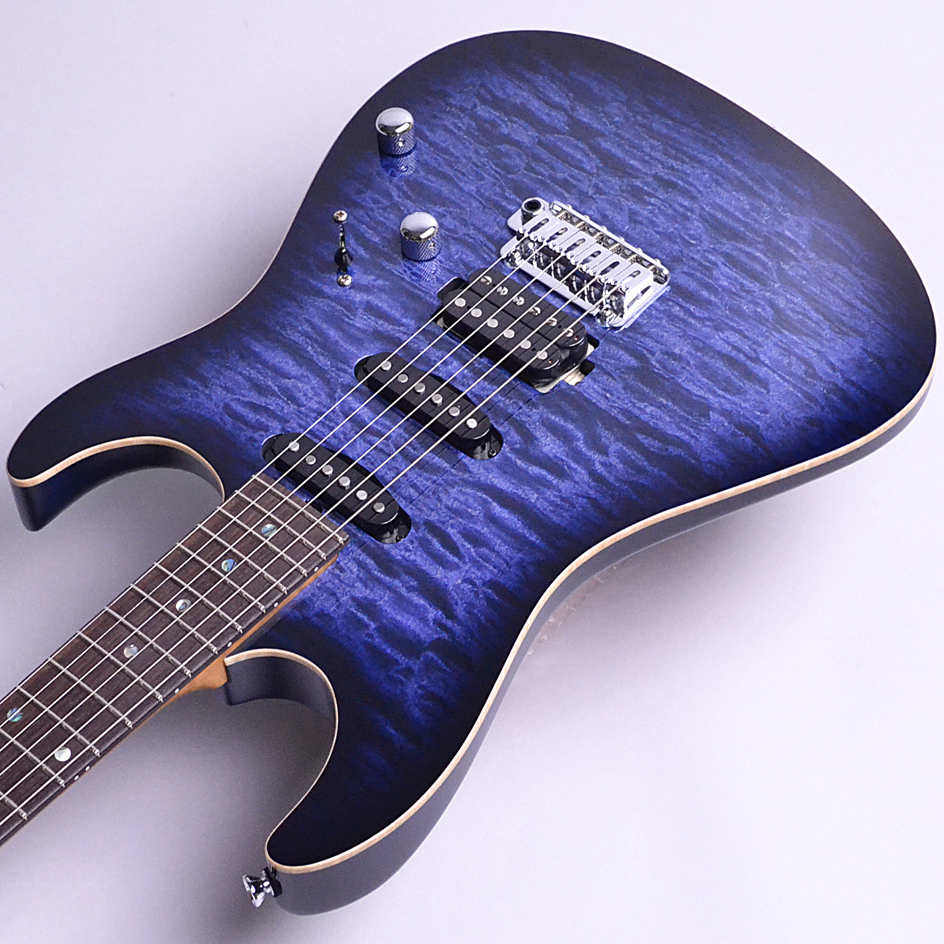 DST-22 Quilt Roasted Flame Maple Neckのヘッド画像