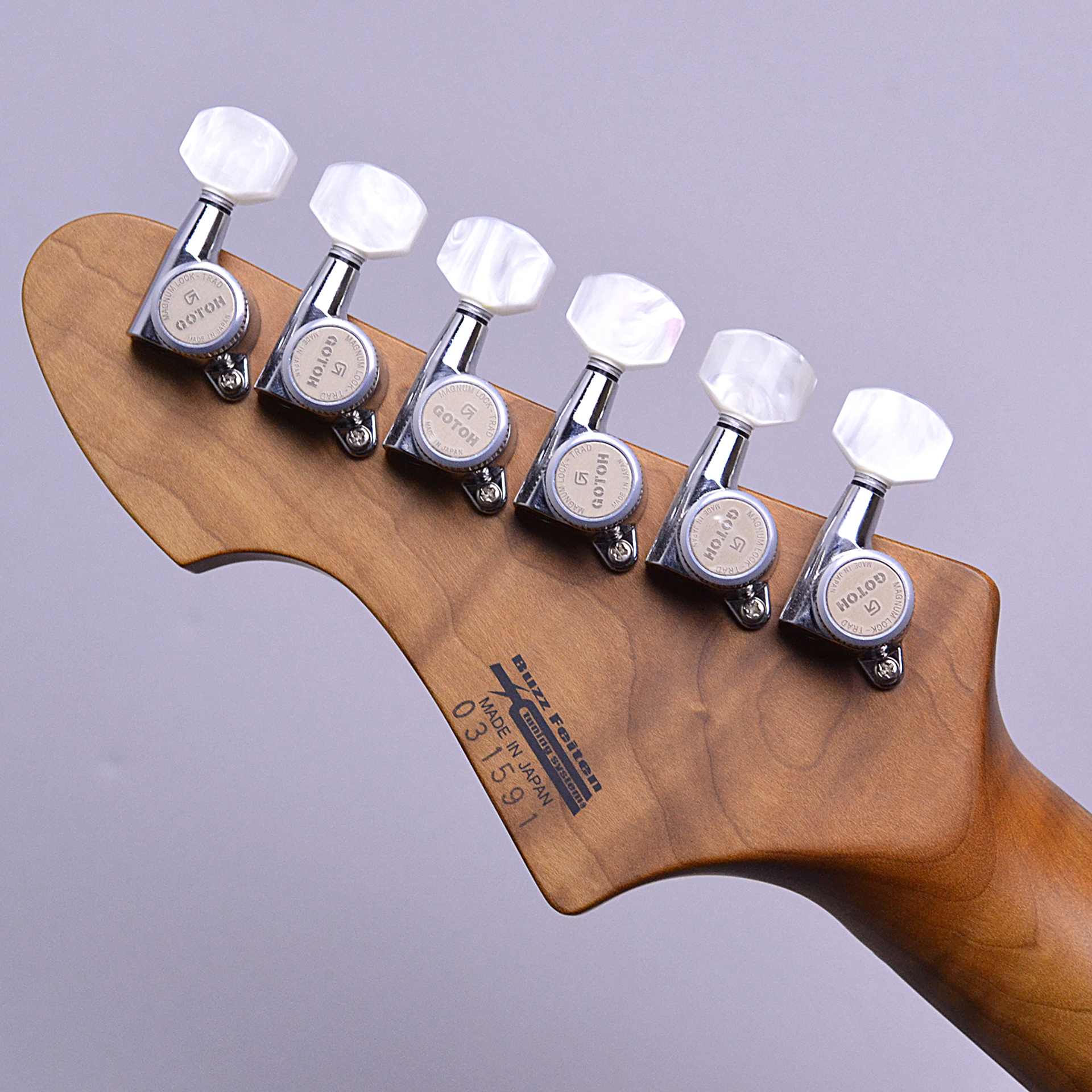 DST-22 Quilt Roasted Flame Maple Neckの全体画像(縦)