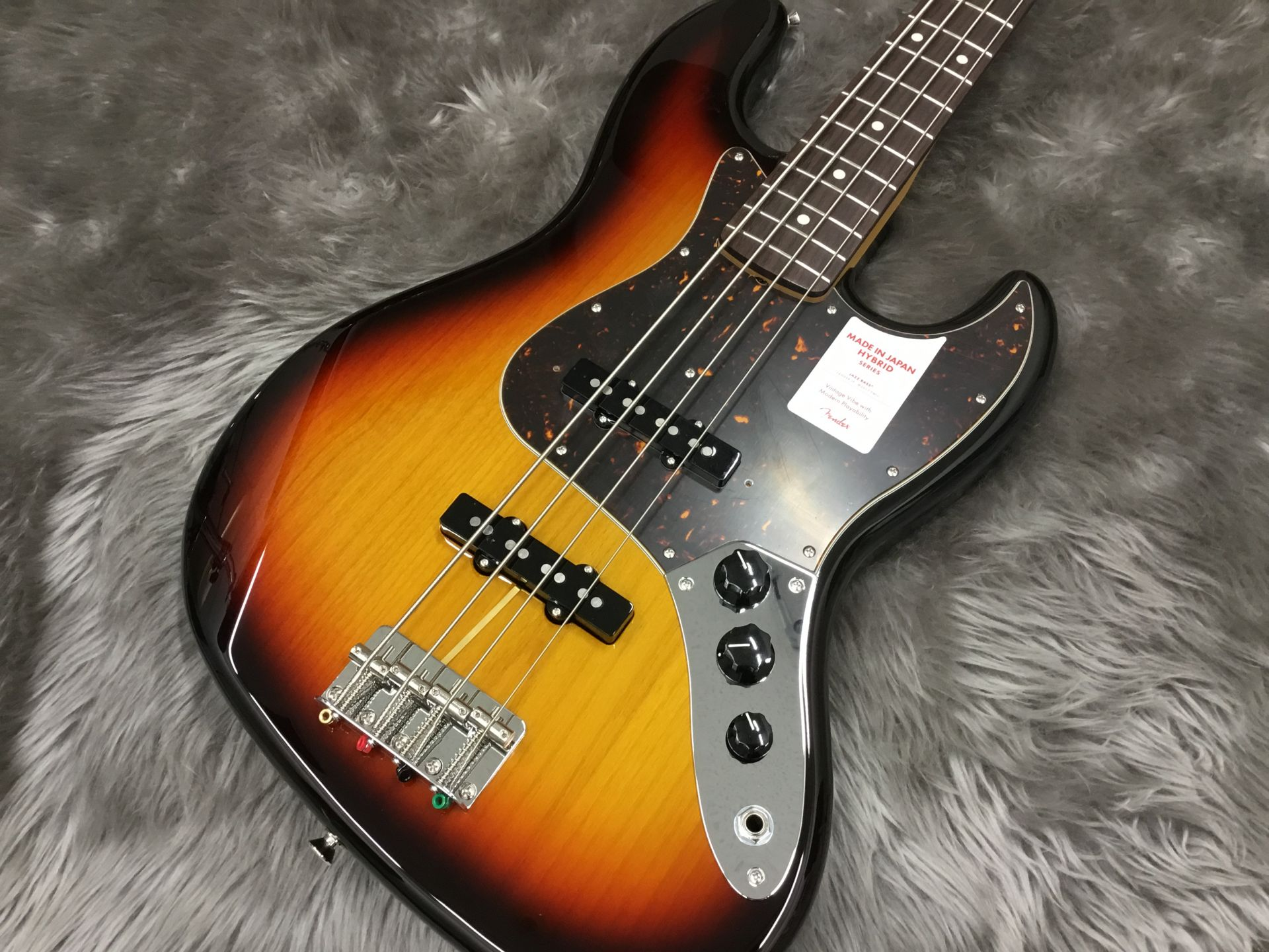 MADE IN JAPAN HYBRID 60S JAZZ BASS®のボディトップ-アップ画像