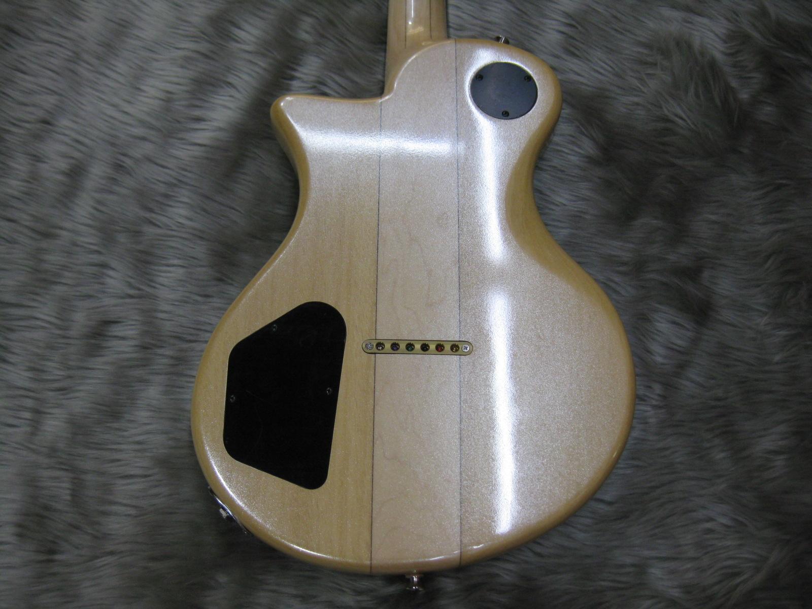 BUMBLE-F4のヘッド裏-アップ画像