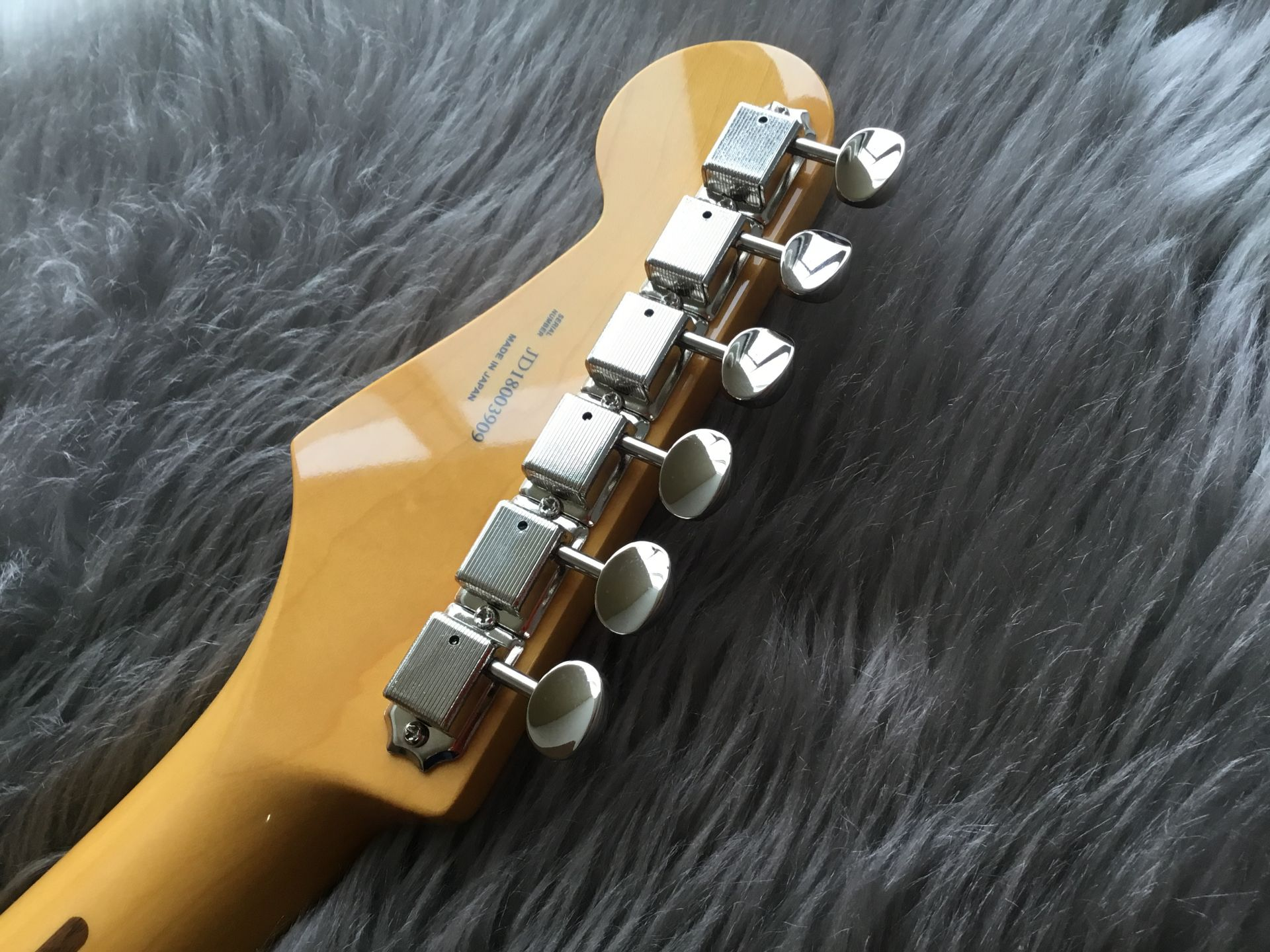 Fender Made in Japan Traditional 58 Stratocasterのヘッド裏-アップ画像