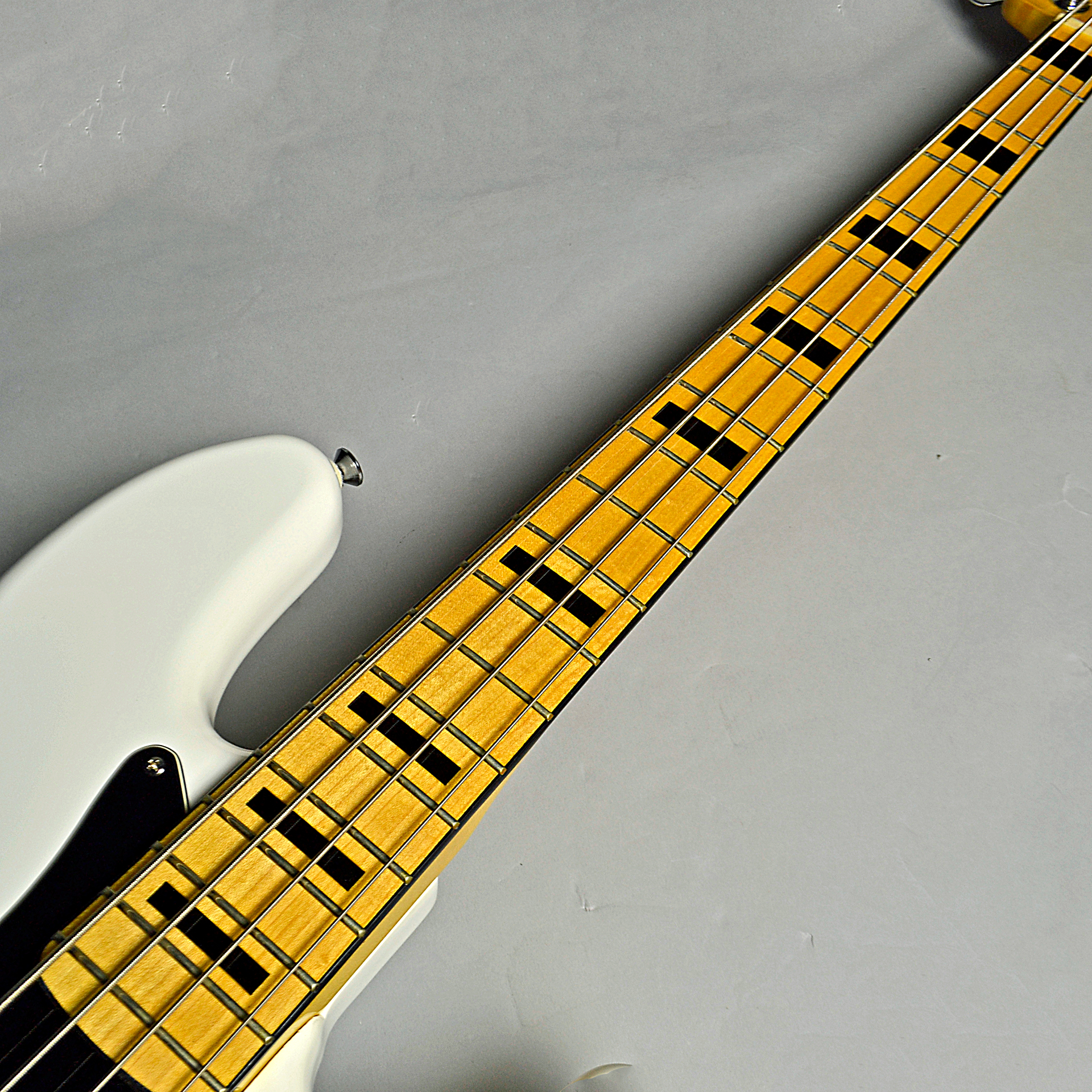 Vintage Modified Jazz Bass 70s (OWT)の指板画像