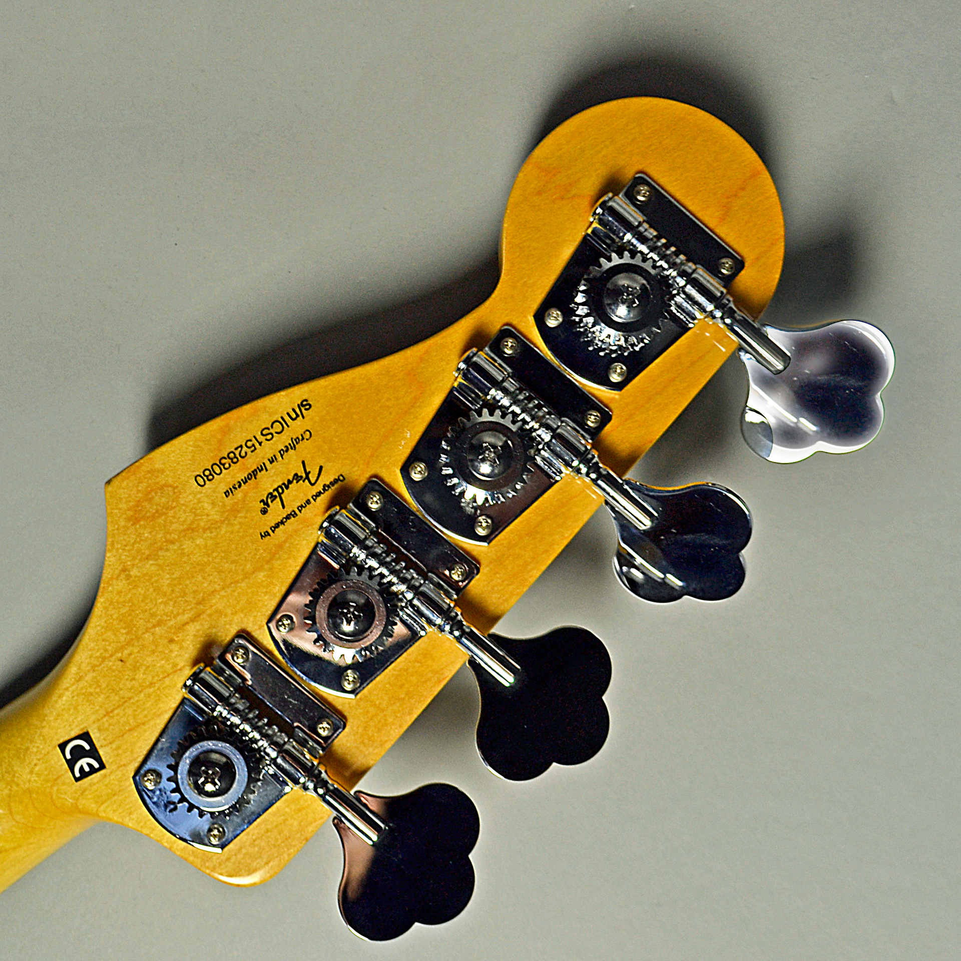 Vintage Modified Jazz Bass 70s (OWT)のヘッド裏-アップ画像
