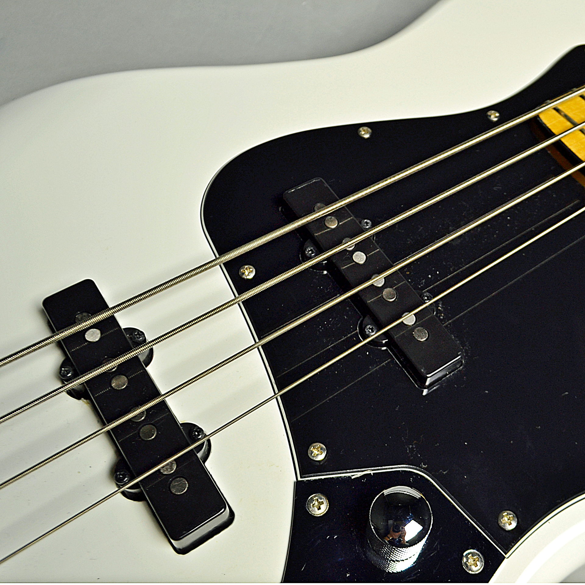 Vintage Modified Jazz Bass 70s (OWT)のケース・その他画像