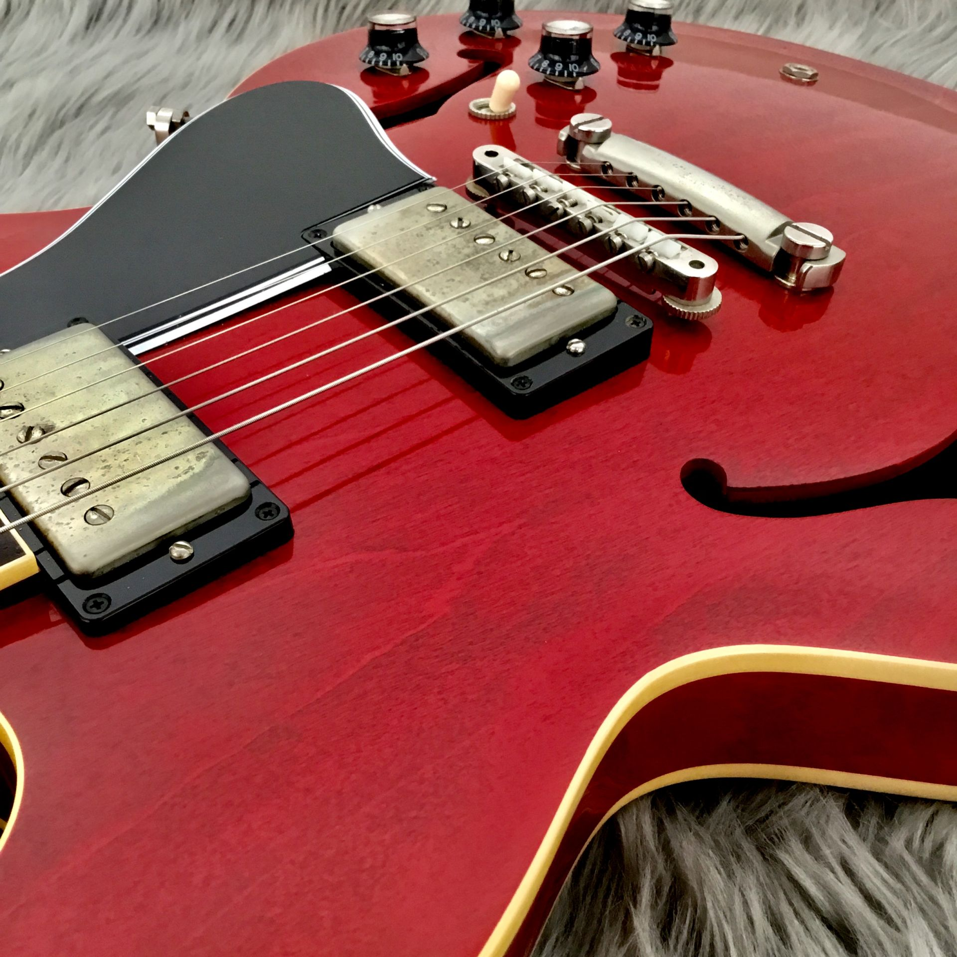 2018 Limited Run 1963 ES-335 TDC VOS Sixties Cherryの指板画像