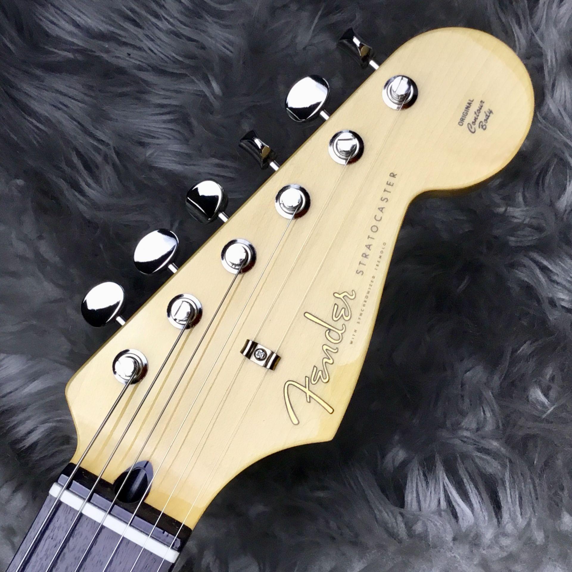 Hybrid 60s Stratocaster Quilt Top/Transparent Blueの全体画像(縦)