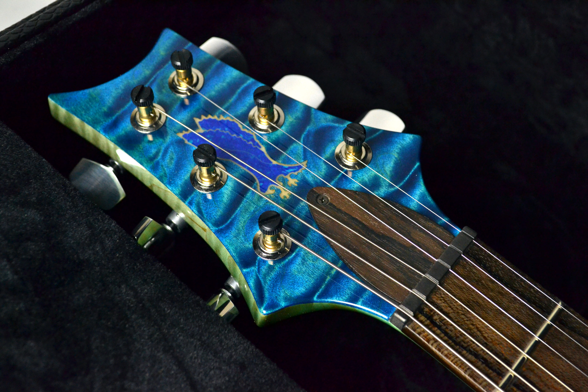 Private Stock #7659 Custom24 3-piece Top Aquamarine&Blue Fade,Luminlay Purflingのヘッド画像