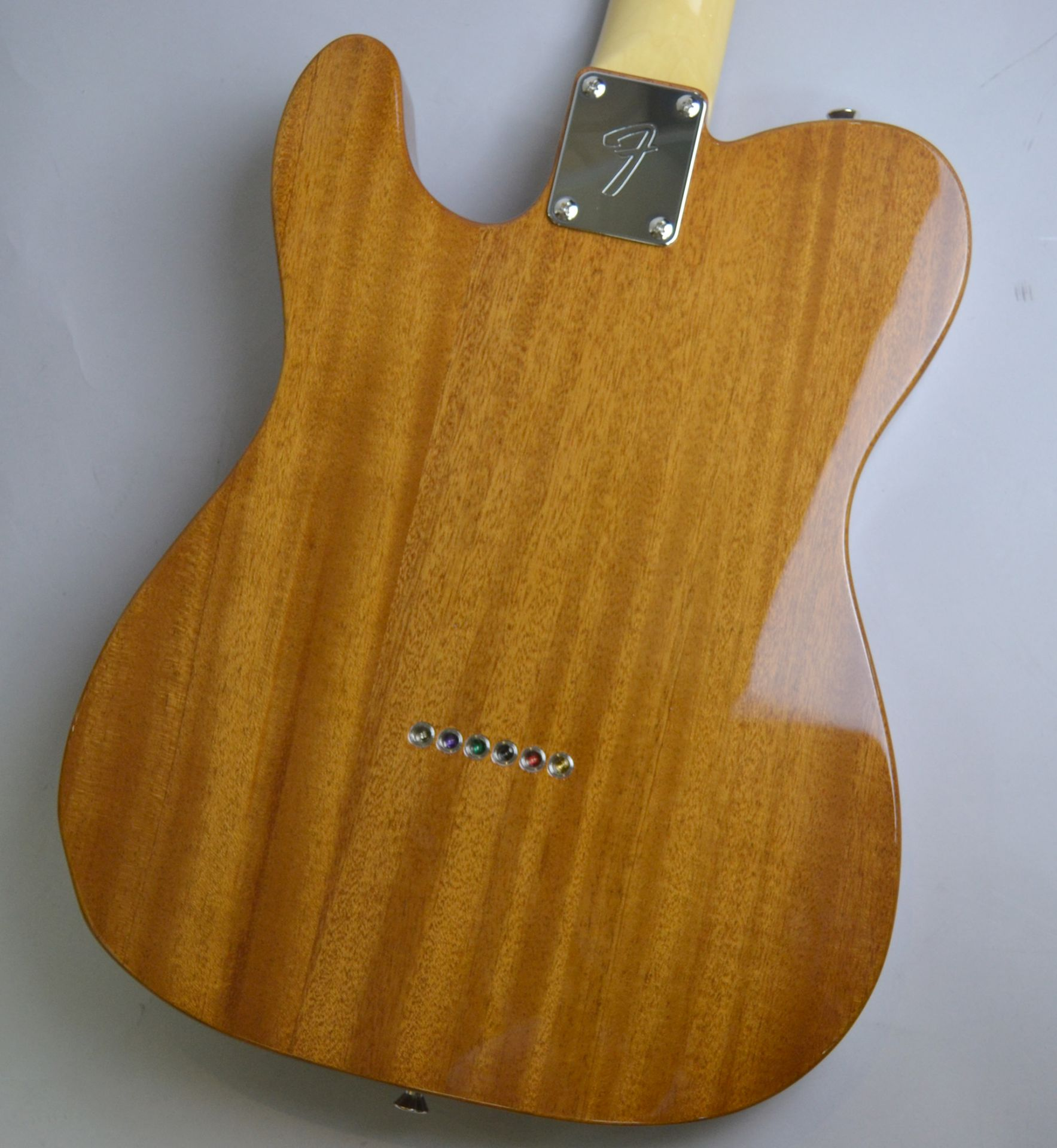 Made in Japan Traditional 69 Telecaster Thinline NAT シンラインの全体画像(縦)