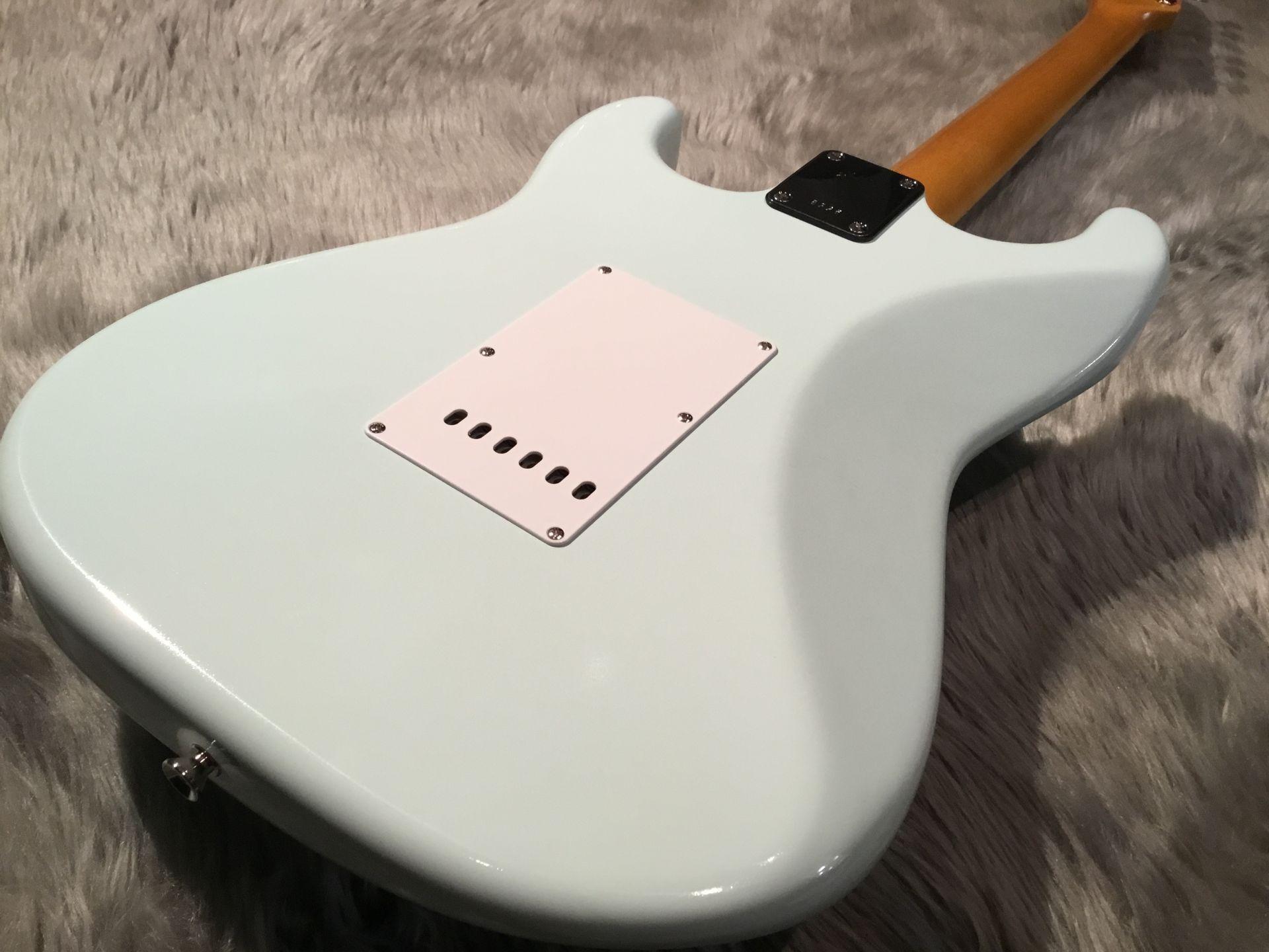 STV-70R/Customのボディバック-アップ画像