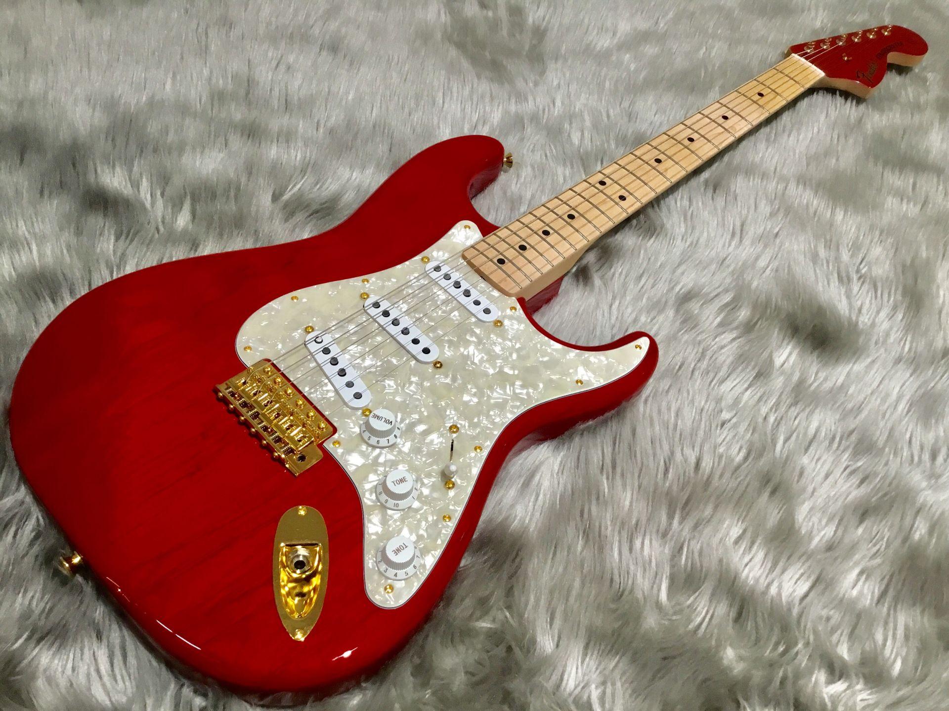 Fender  MAMI STRATOCASTER 写真画像