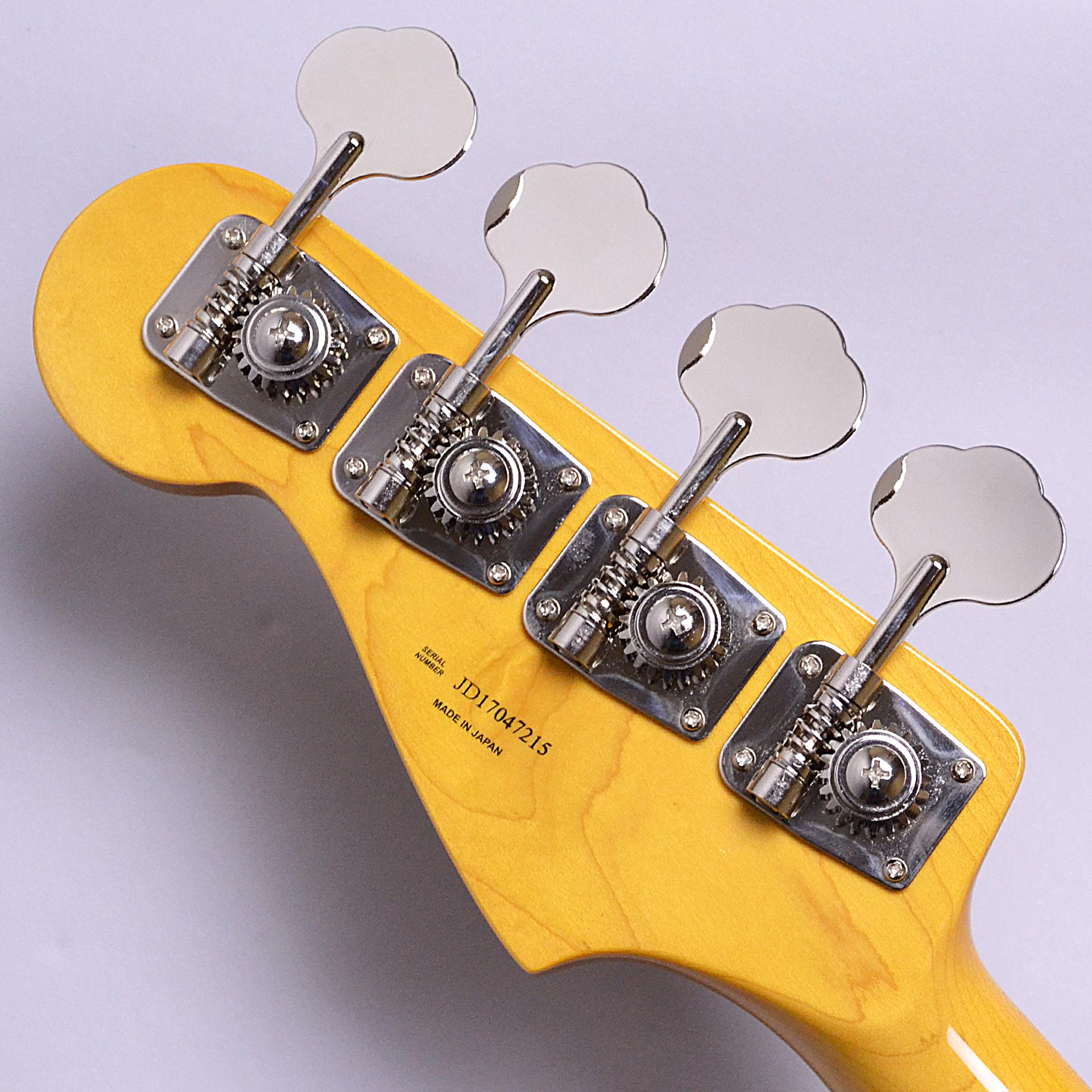 Made in Japan Traditional 60s Jazz Bass Fretlessの全体画像(縦)