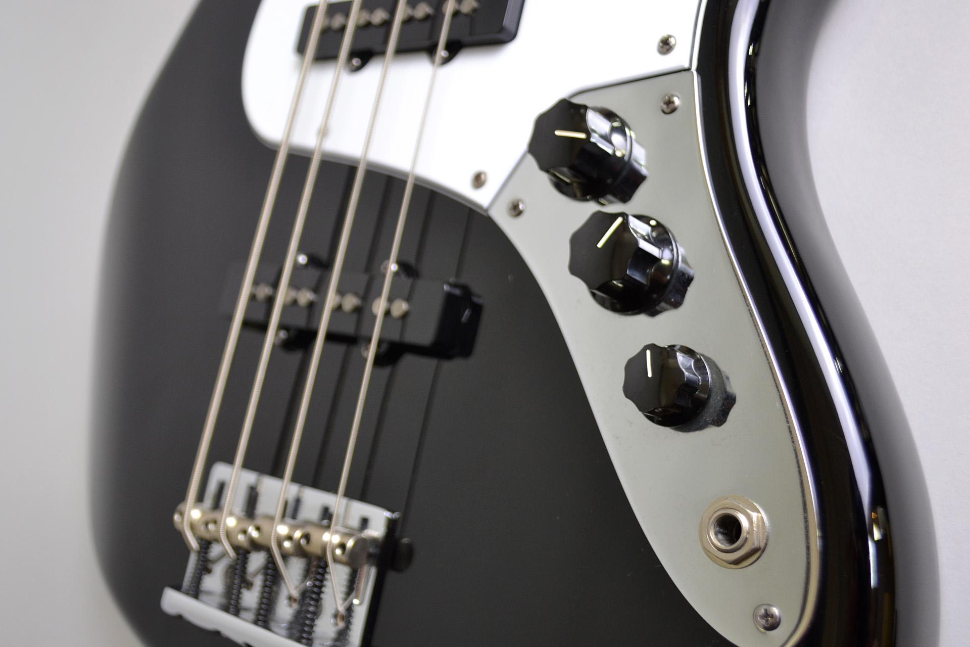 American Standard Jazz Bass 2012年製 重量4.225kgのケース・その他画像
