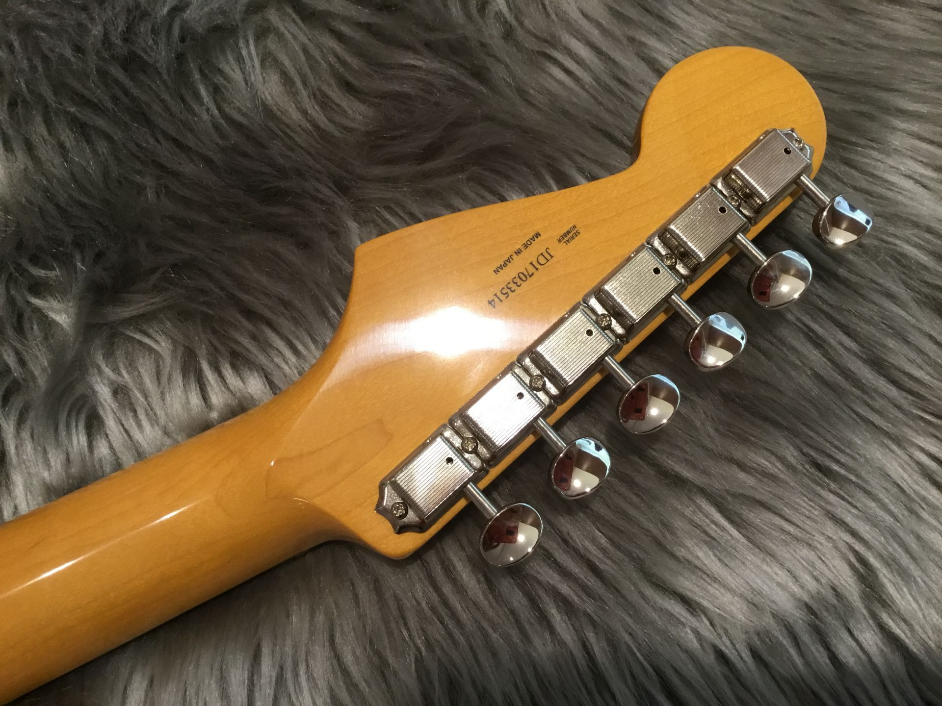 MADE IN JAPAN TRADITIONAL 60S STRATOCASTER®のヘッド裏-アップ画像
