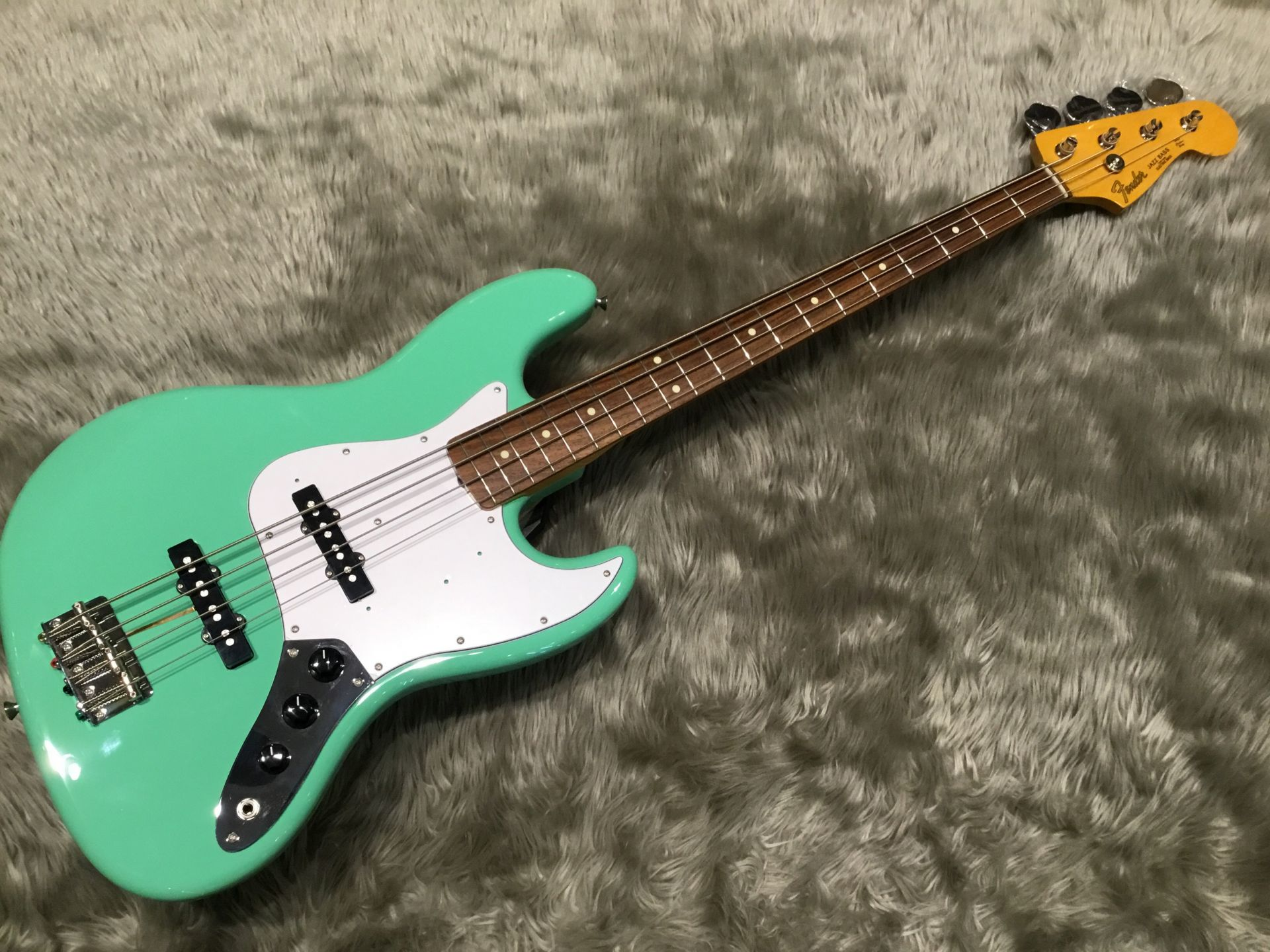 TRAD 60S JAZZ BASS