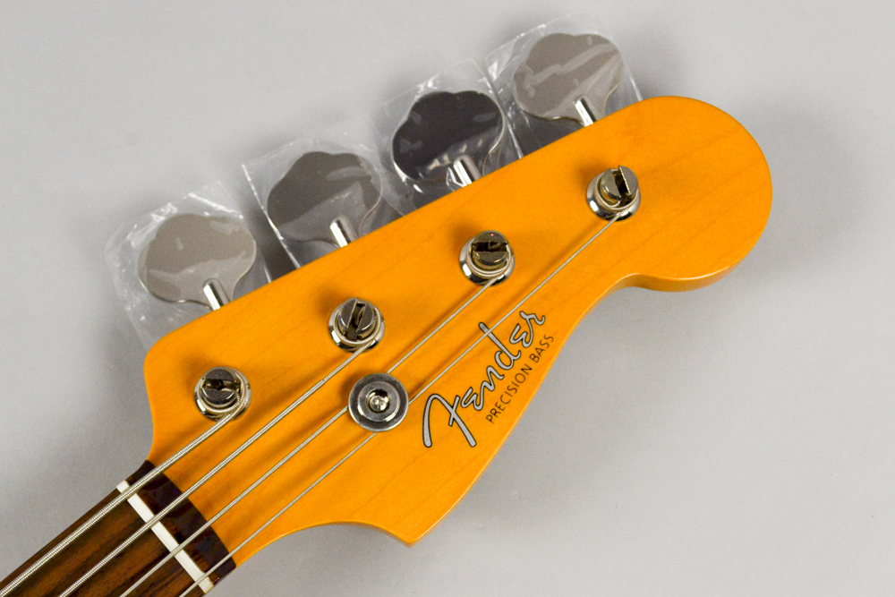 Made in Japan Traditional 60s Precision Bass SFGのヘッド画像