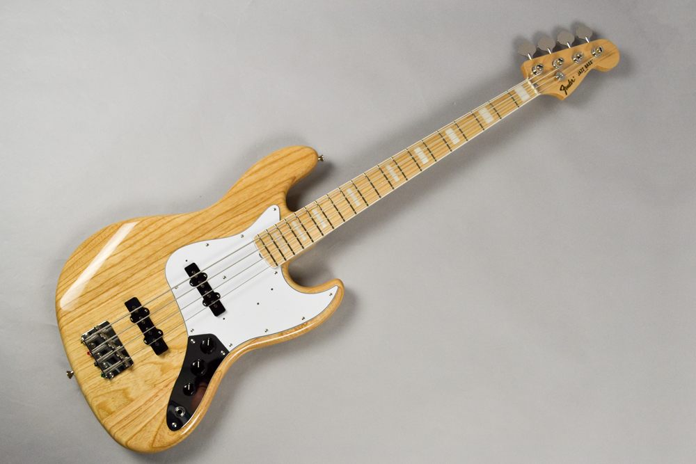 Made in Japan Traditional 70s Jazz Bass NAT