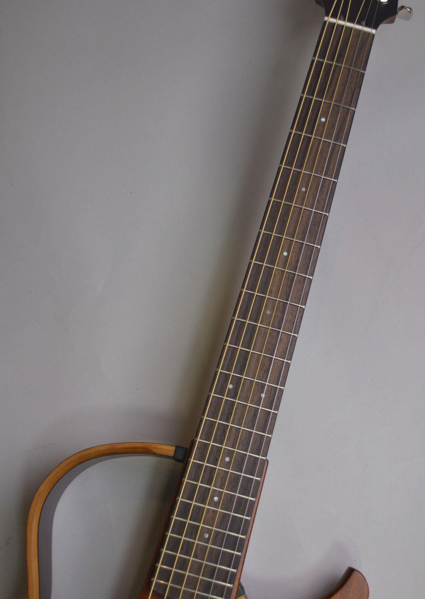 SLG200S Sirent Guitar サイレントギターのボディバック-アップ画像