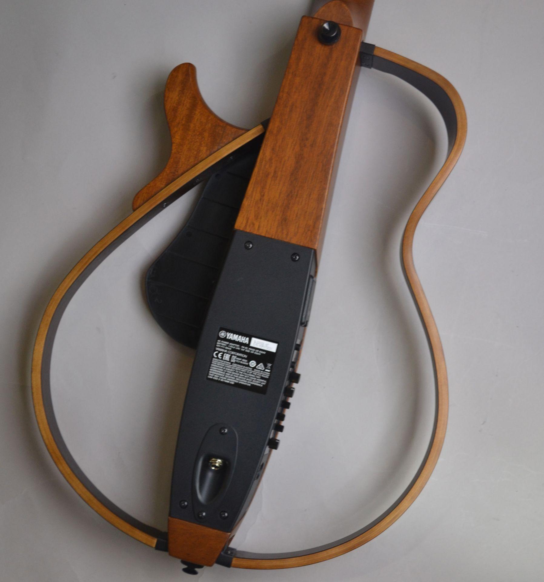 SLG200S Sirent Guitar サイレントギターの全体画像(縦)
