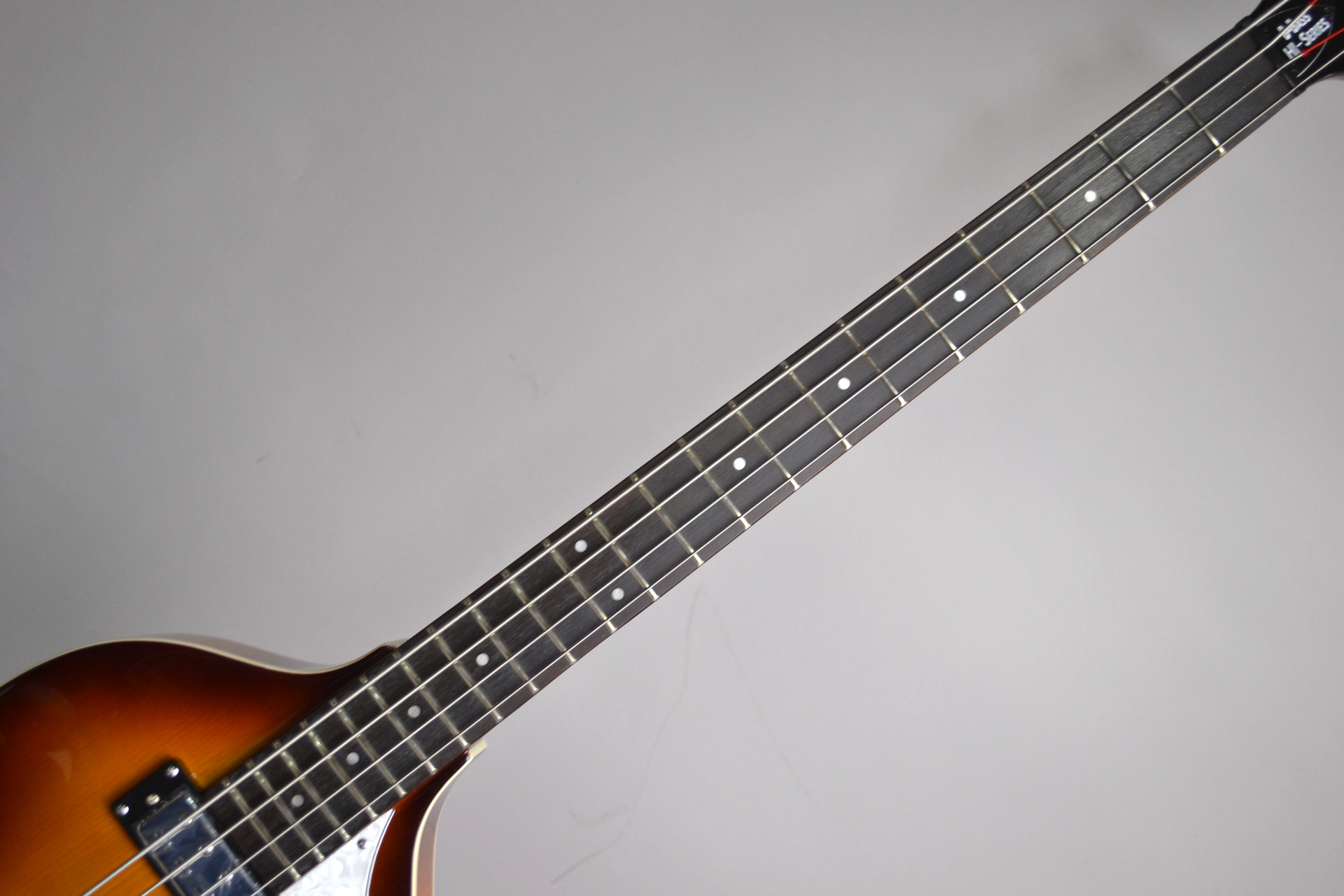 IGNITION BASS SB Violin Bassのヘッド画像