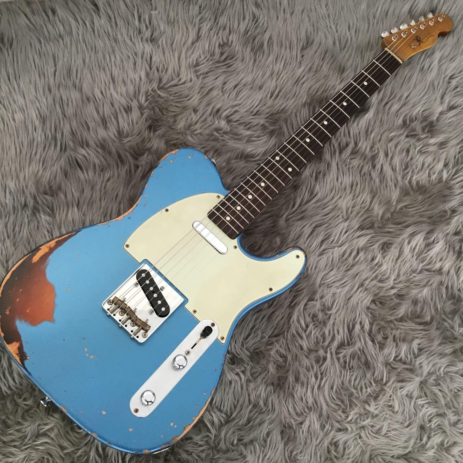 T-Model Lake Placid Blue over 3 Tone Sunburstのボディトップ-アップ画像