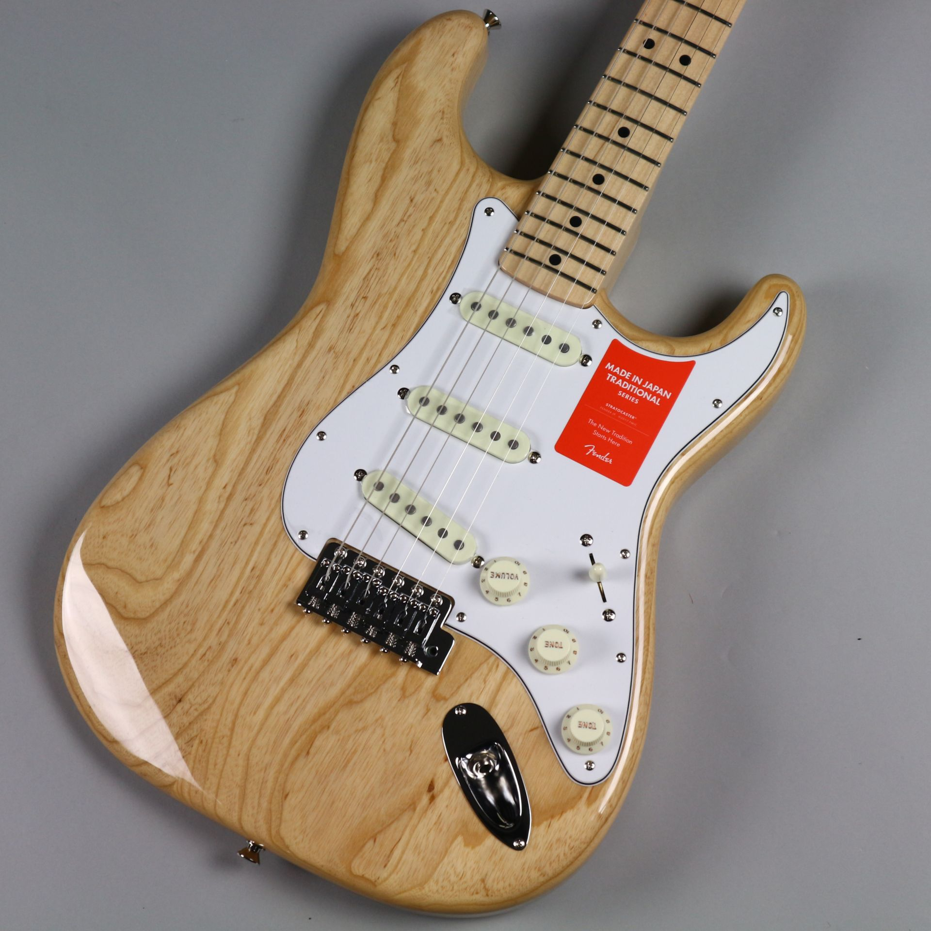 TRADITIONAL 70S STRATOCASTER® ASH(MADE IN JAPAN)