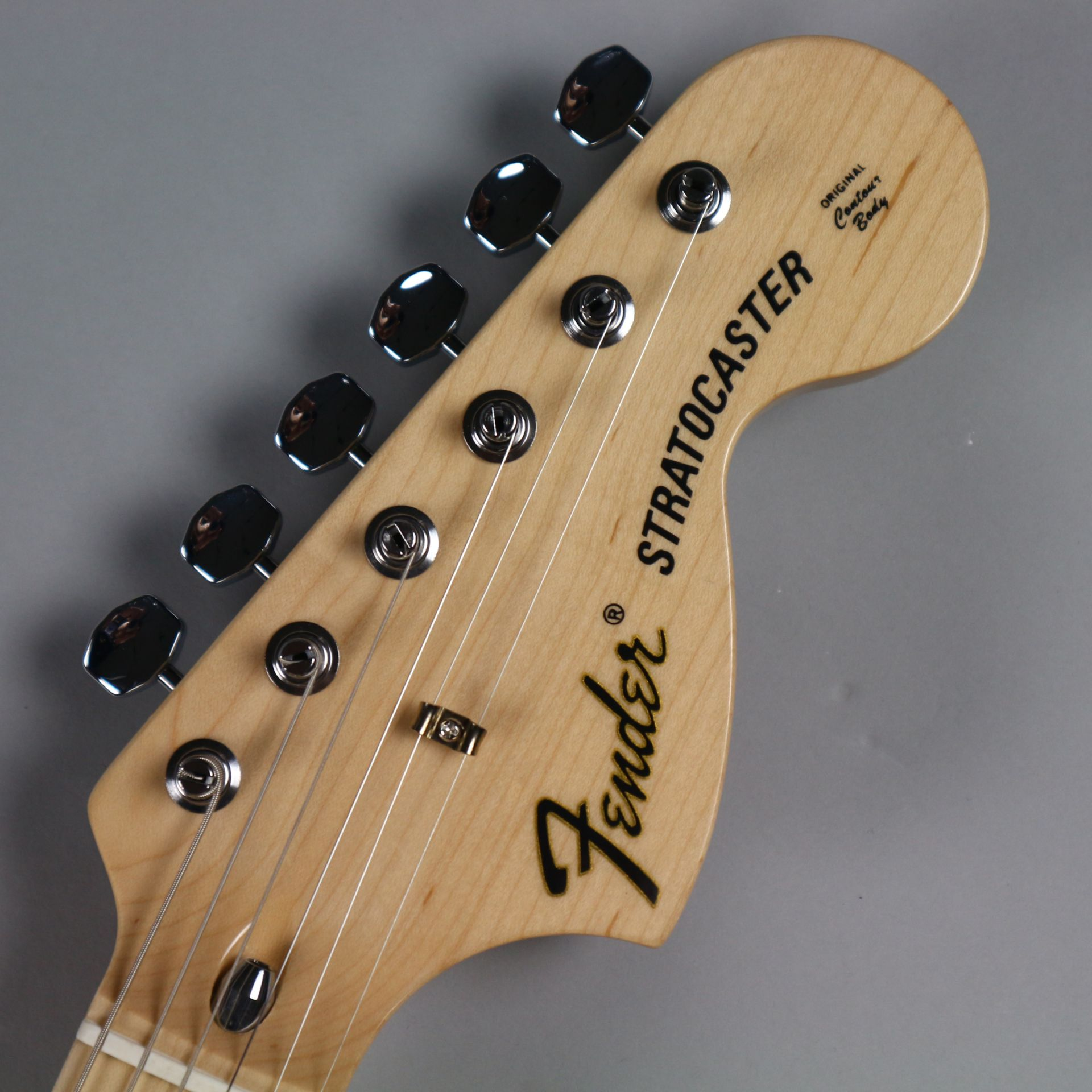 TRADITIONAL 70S STRATOCASTER® ASH(MADE IN JAPAN)のヘッド画像
