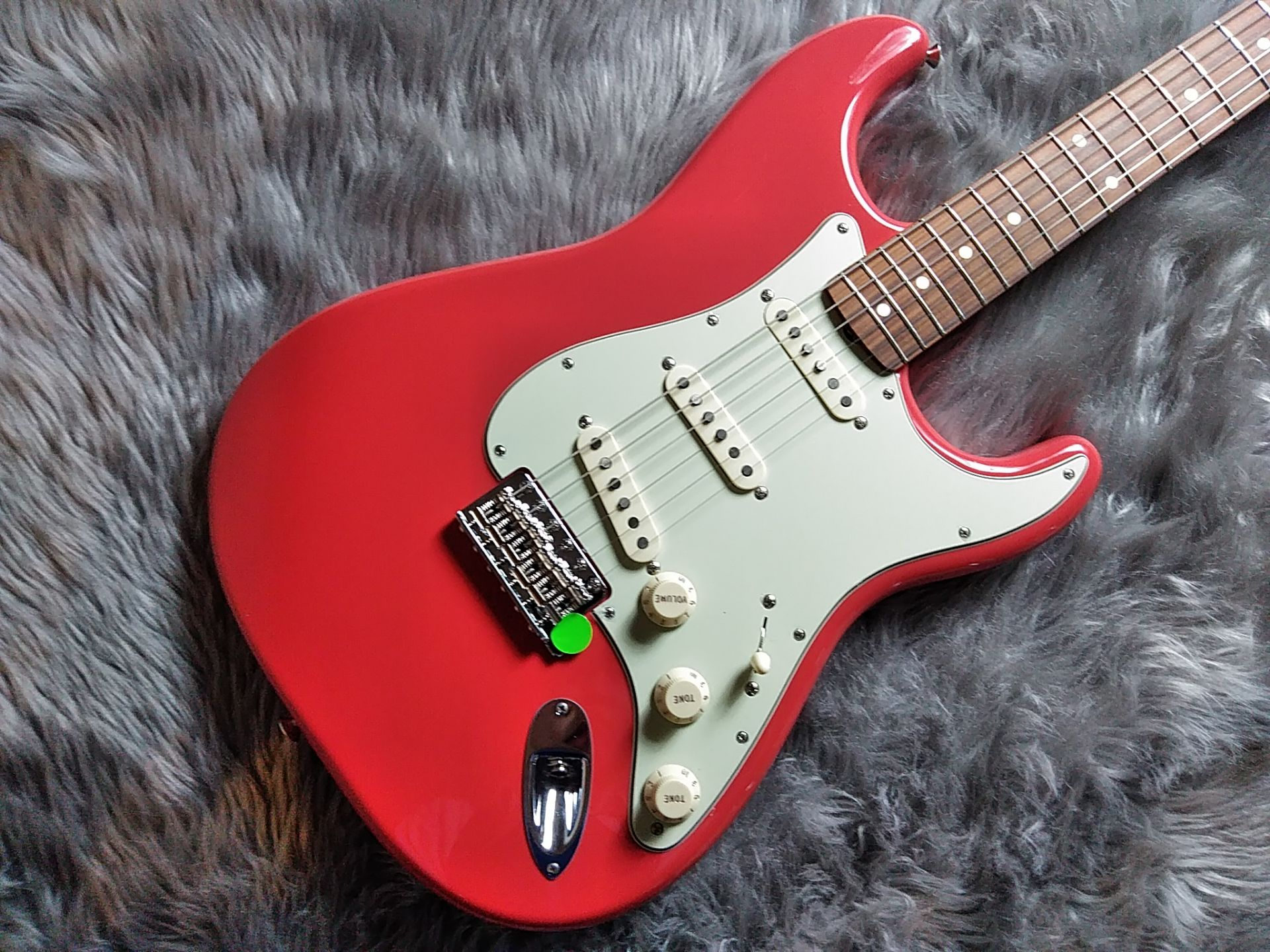 Fender  60S STRAT LACQUER PF 写真画像