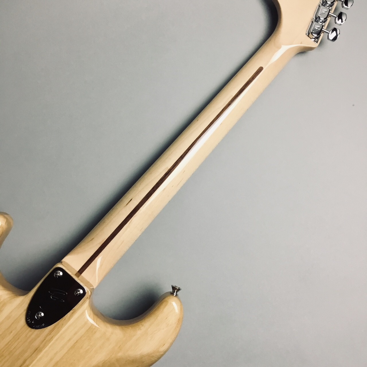 MADE IN JAPAN TRADITIONAL 70S STRATOCASTERの全体画像(縦)