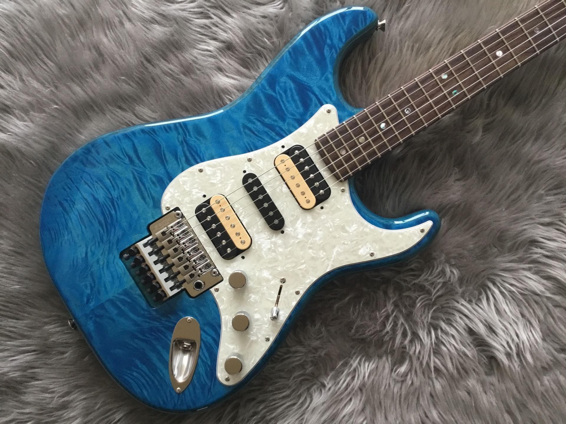 Fender  MICHIYA HARUHATA STRATOCASTER® 写真画像