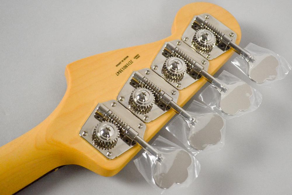 Made in Japan Hybrid 60s Jazz Bass 3CSのヘッド裏-アップ画像