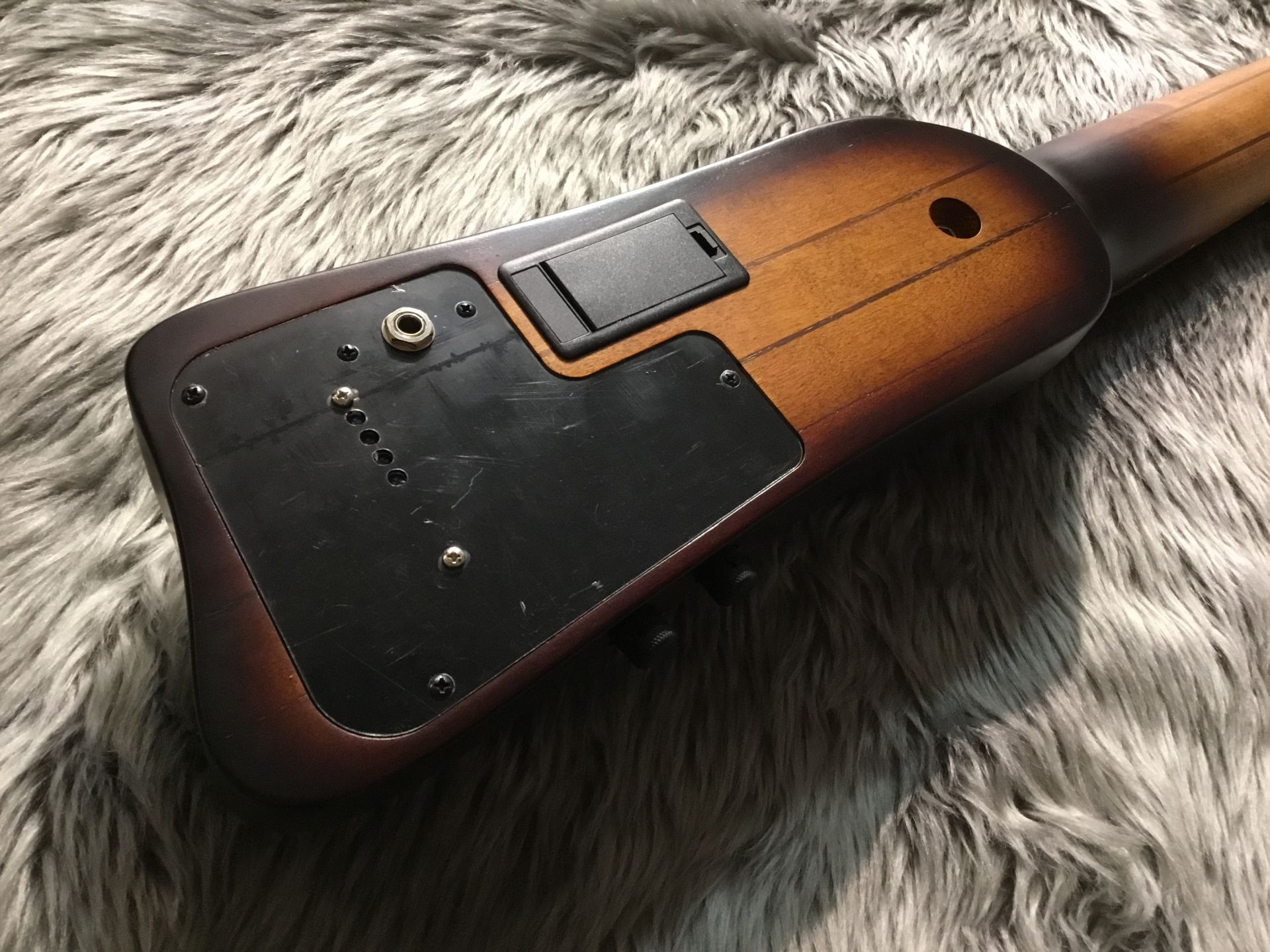 UB804のヘッド裏-アップ画像