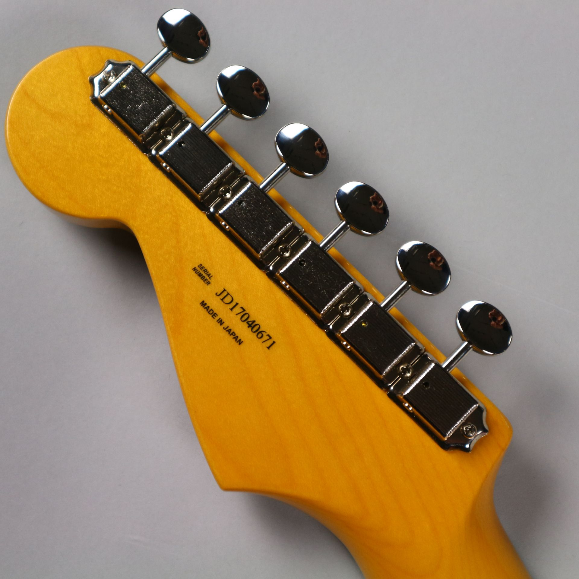 TRADITIONAL 60S STRATOCASTER®(MADE IN JAPAN)のヘッド裏-アップ画像