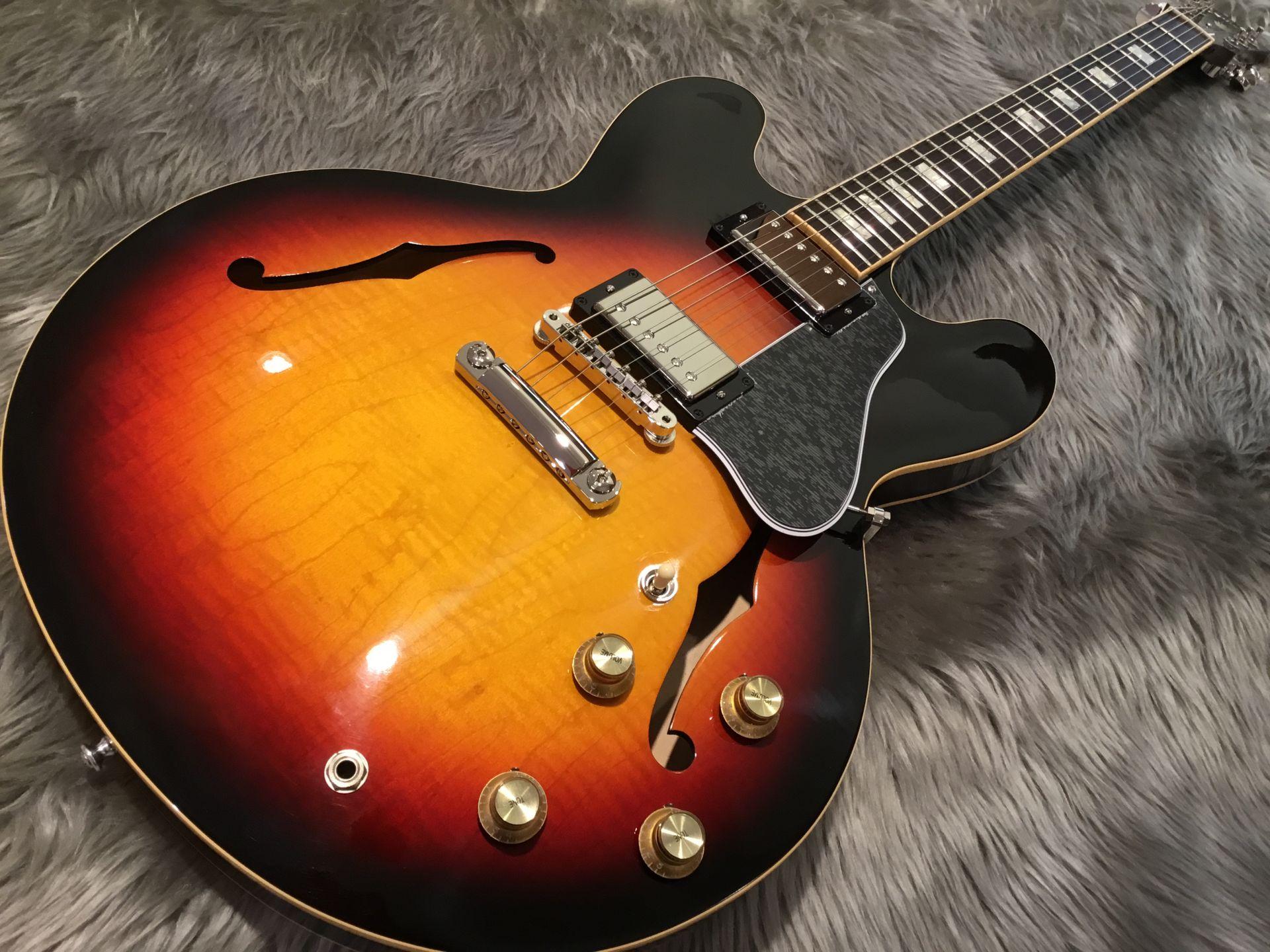 Gibson  ES-335 FIGURED 写真画像