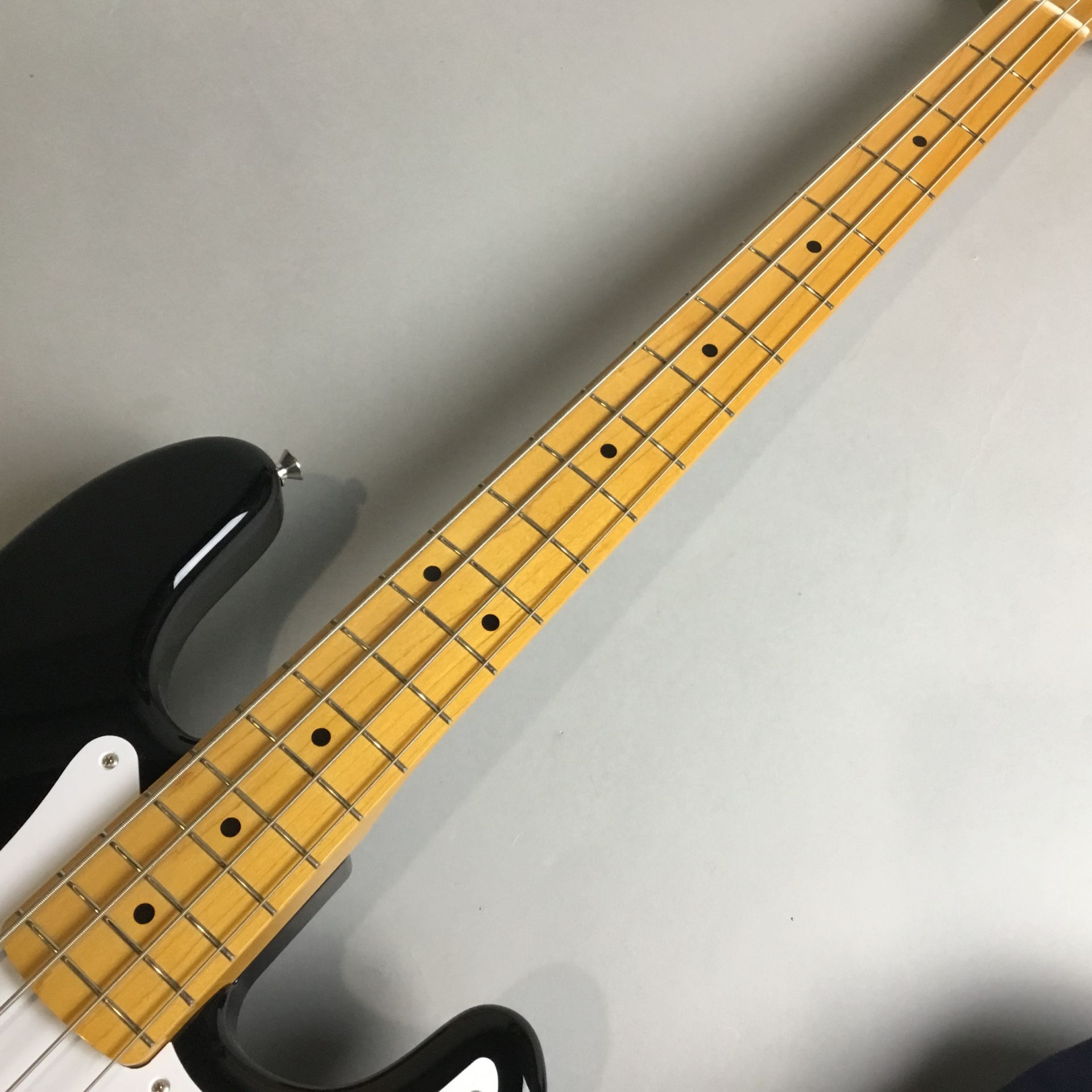 Fender Japan Exclusive Series Classic 50s P Bass USA Pickups Maple Fingerboard / Blacの指板画像
