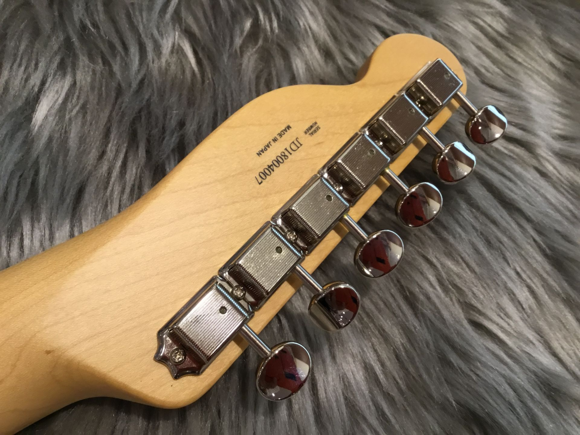 MADE IN JAPAN HYBRID 60S TELECASTERのヘッド裏-アップ画像