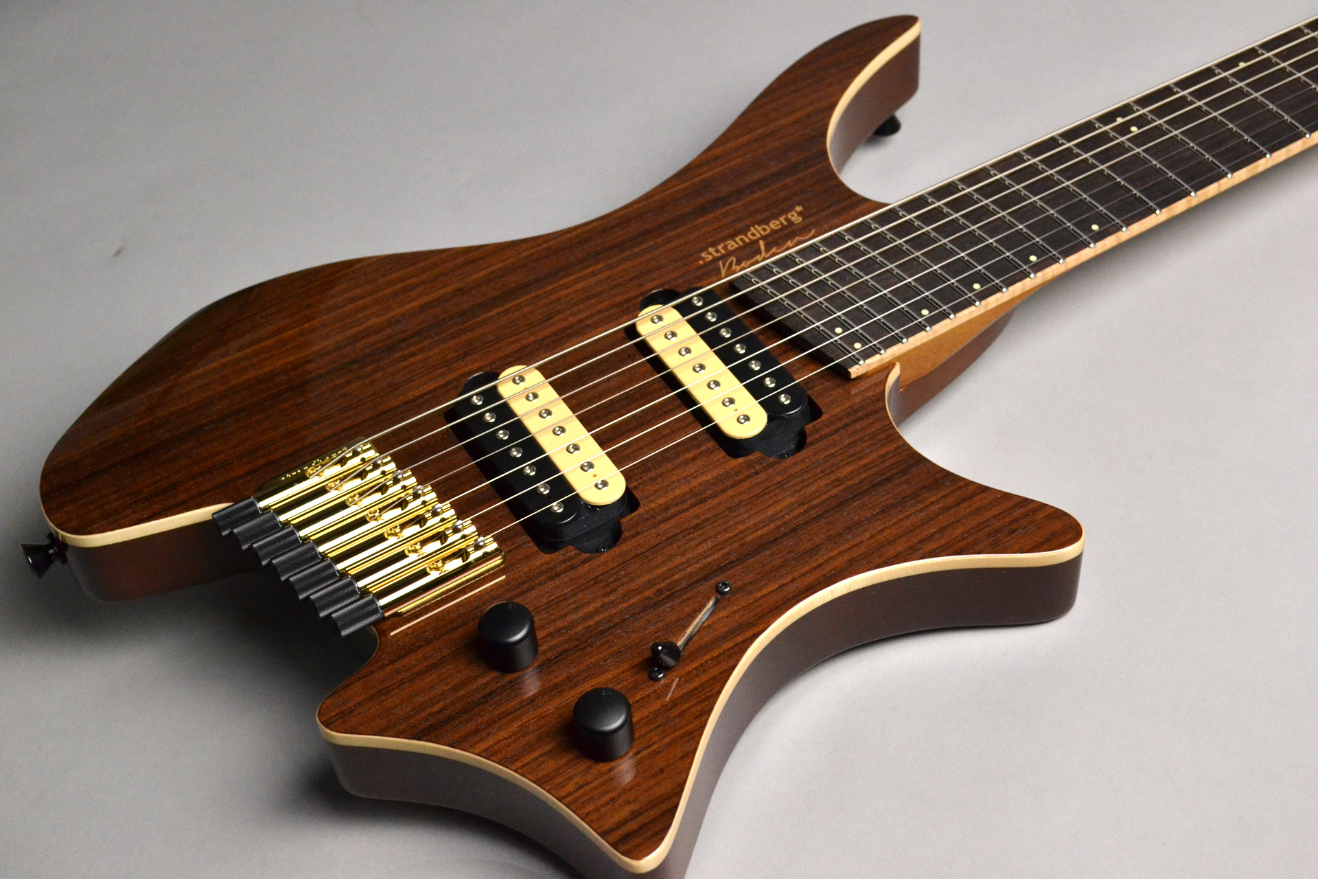 Boden J7 Standard Rosewood Roasted Maple Neckのボディトップ-アップ画像