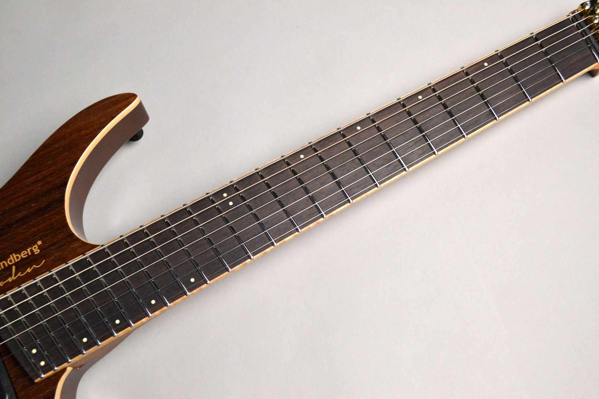 Boden J7 Standard Rosewood Roasted Maple Neckの指板画像