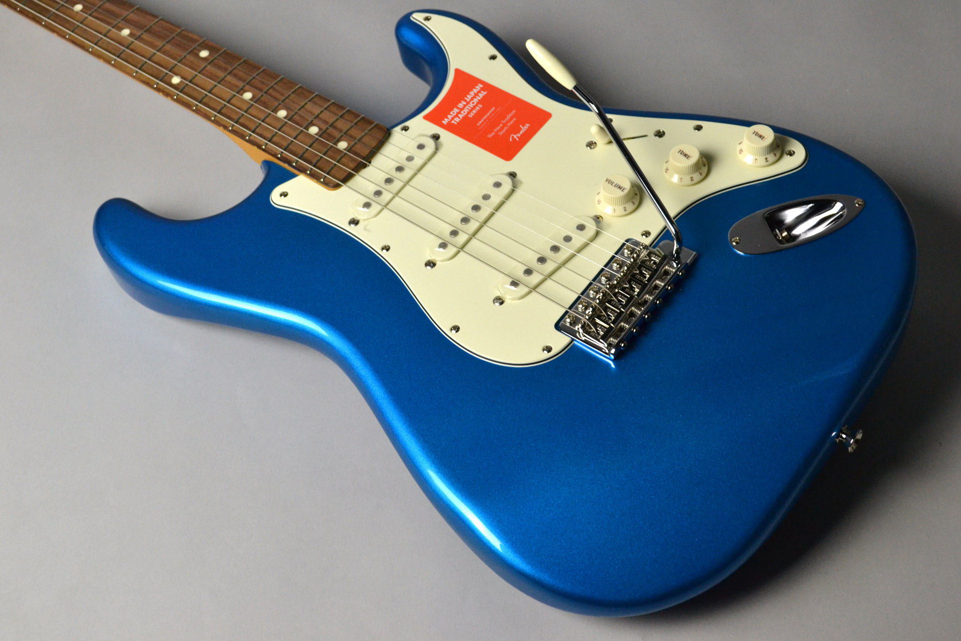 MADE IN JAPAN TRADITIONAL 60S STRATOCASTER Candy Blueの全体画像(縦)