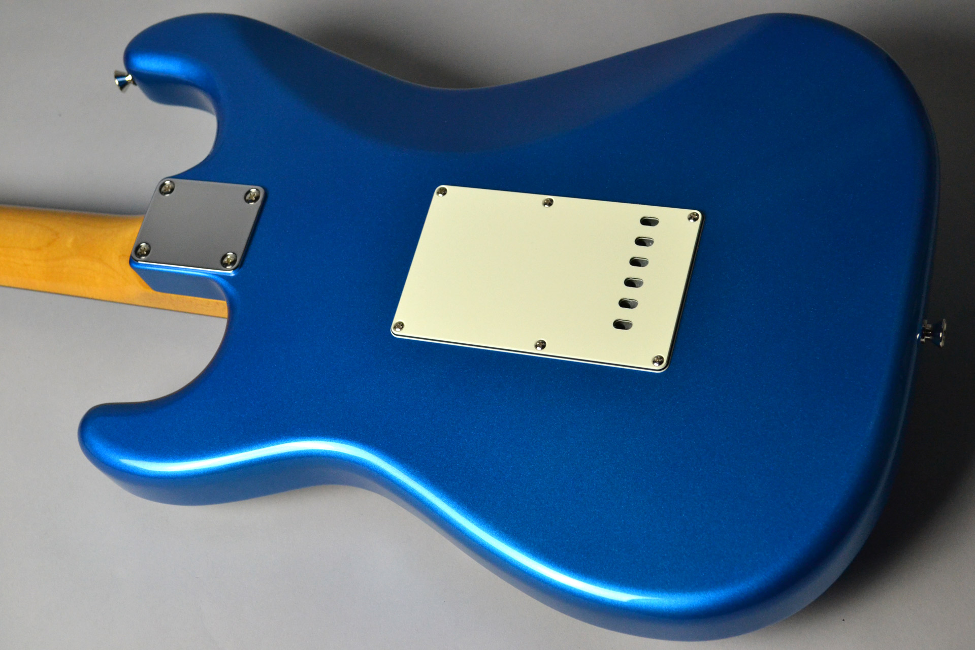 MADE IN JAPAN TRADITIONAL 60S STRATOCASTER Candy Blueのボディバック-アップ画像