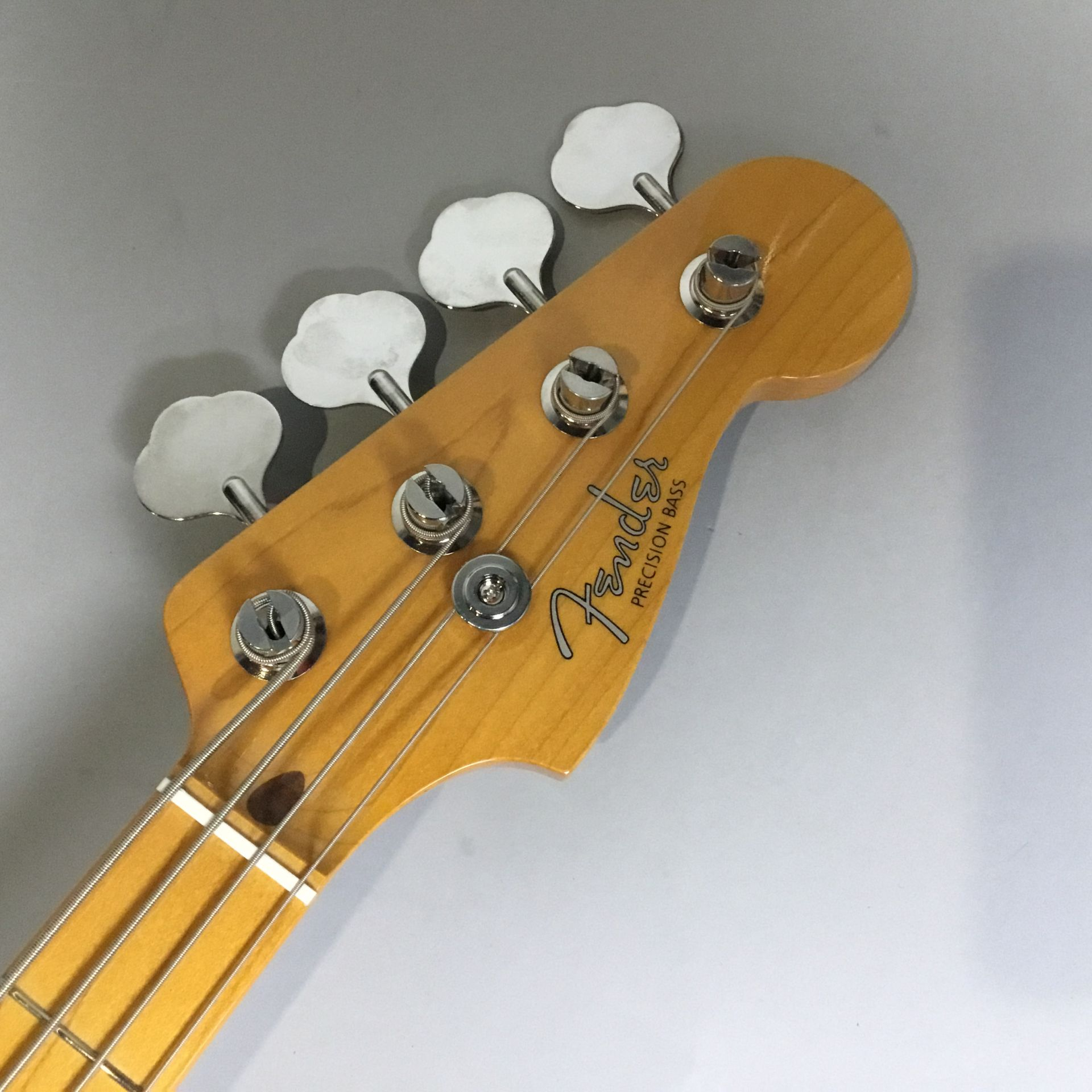 Fender Japan Exclusive Series Classic 50s P Bass USA Pickups Maple Fingerboard / Blacのヘッド画像