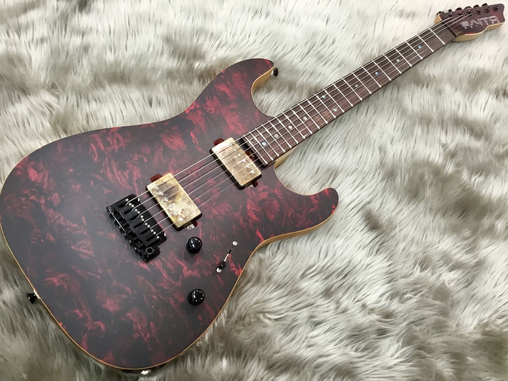 Saito Guitars S-622 Red Granite 写真画像