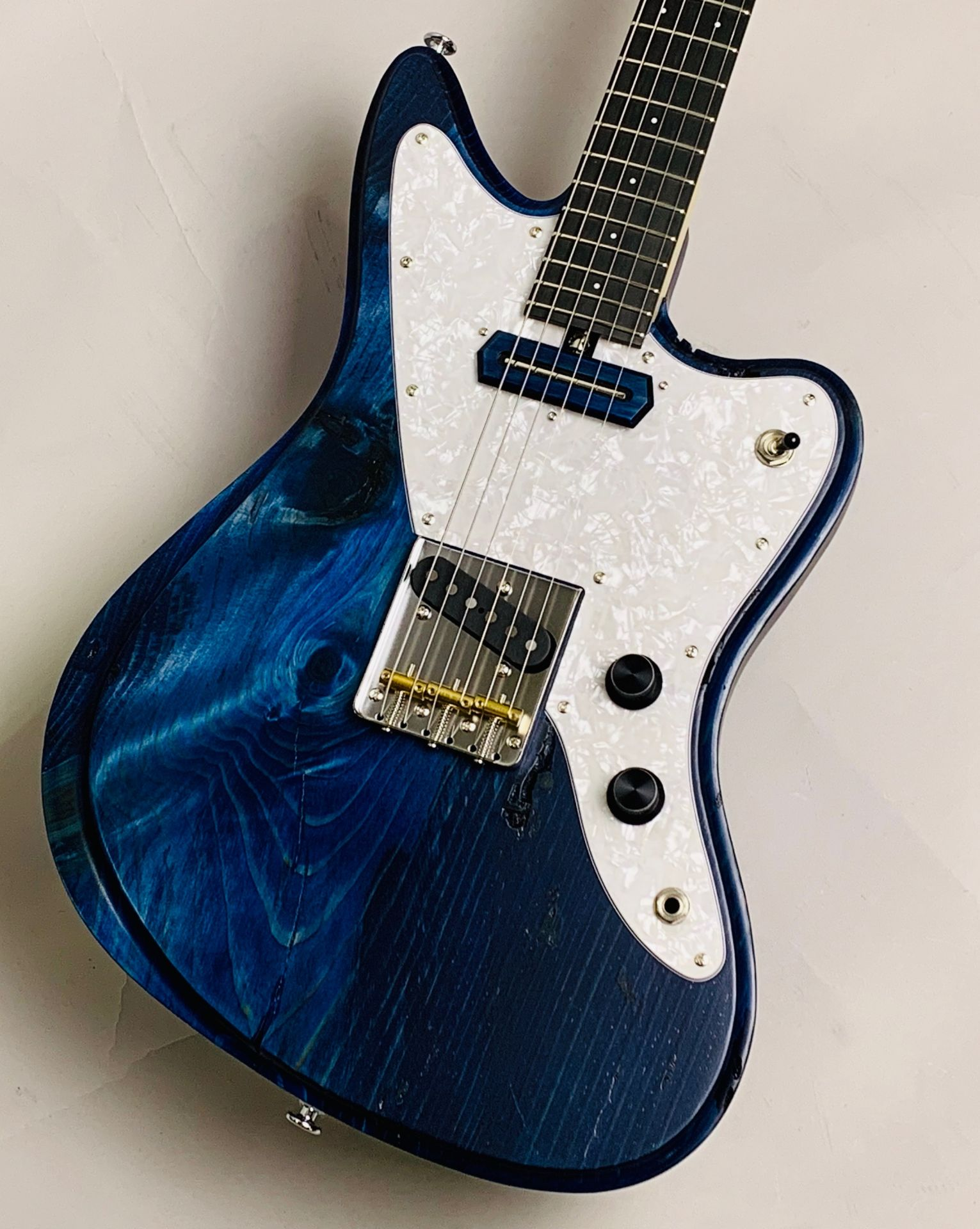 JRP/SB-I-MF'18 限定20本楽器フェアモデル 赤松ボディのボディトップ-アップ画像