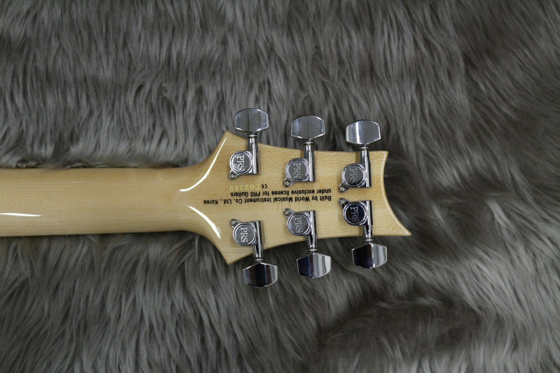 SE CUSTOM 24 QM LTD – Paul Reed Smithのヘッド裏-アップ画像