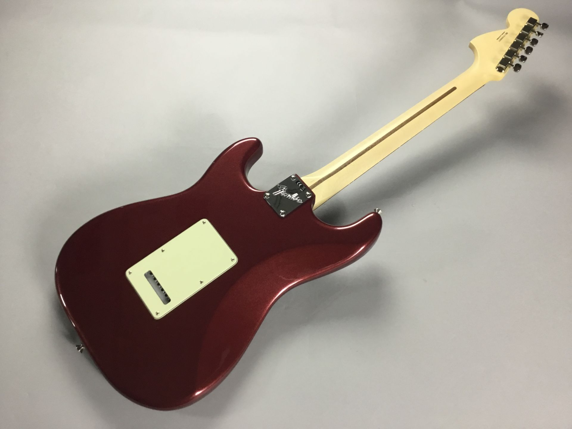 American Performer Stratocasterのヘッド裏-アップ画像