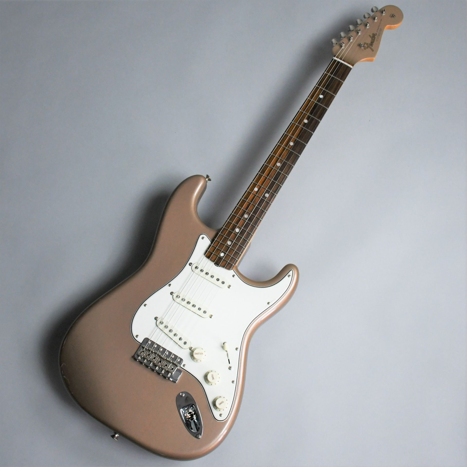 American Vintage 65 Stratocaster Round-Lam Rosewood Fingerboardのボディトップ-アップ画像