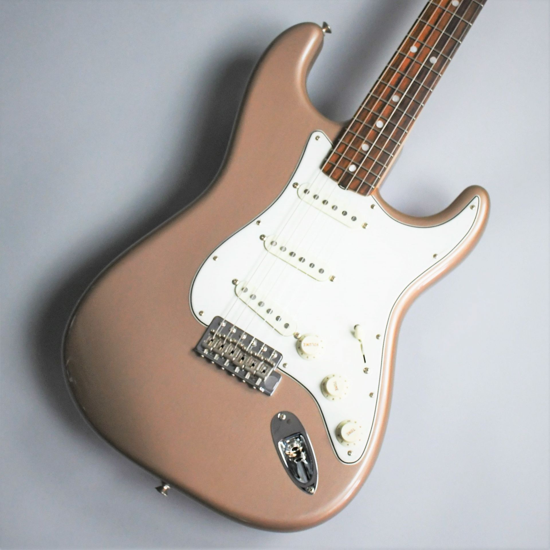 American Vintage 65 Stratocaster Round-Lam Rosewood Fingerboard