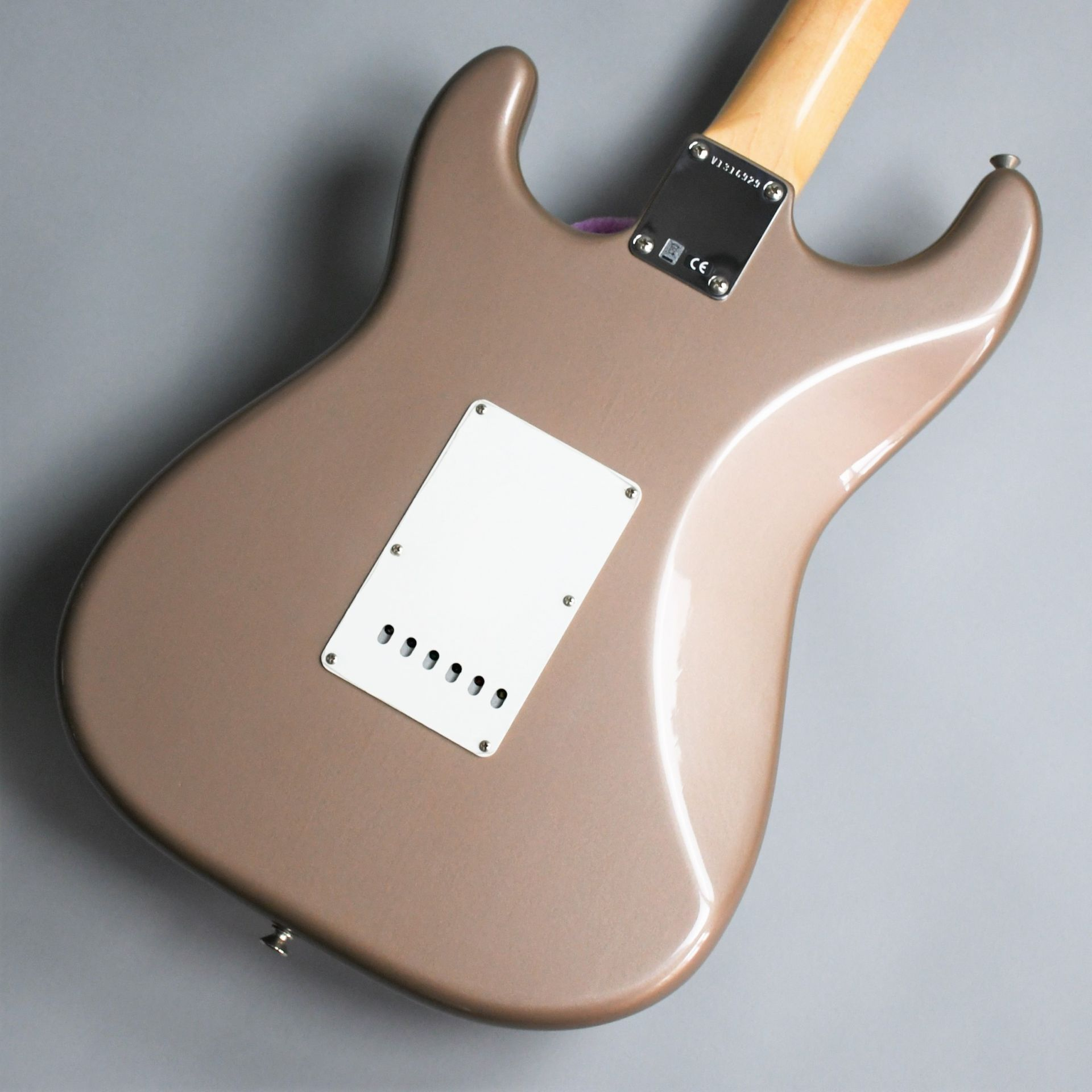 American Vintage 65 Stratocaster Round-Lam Rosewood Fingerboardのボディバック-アップ画像