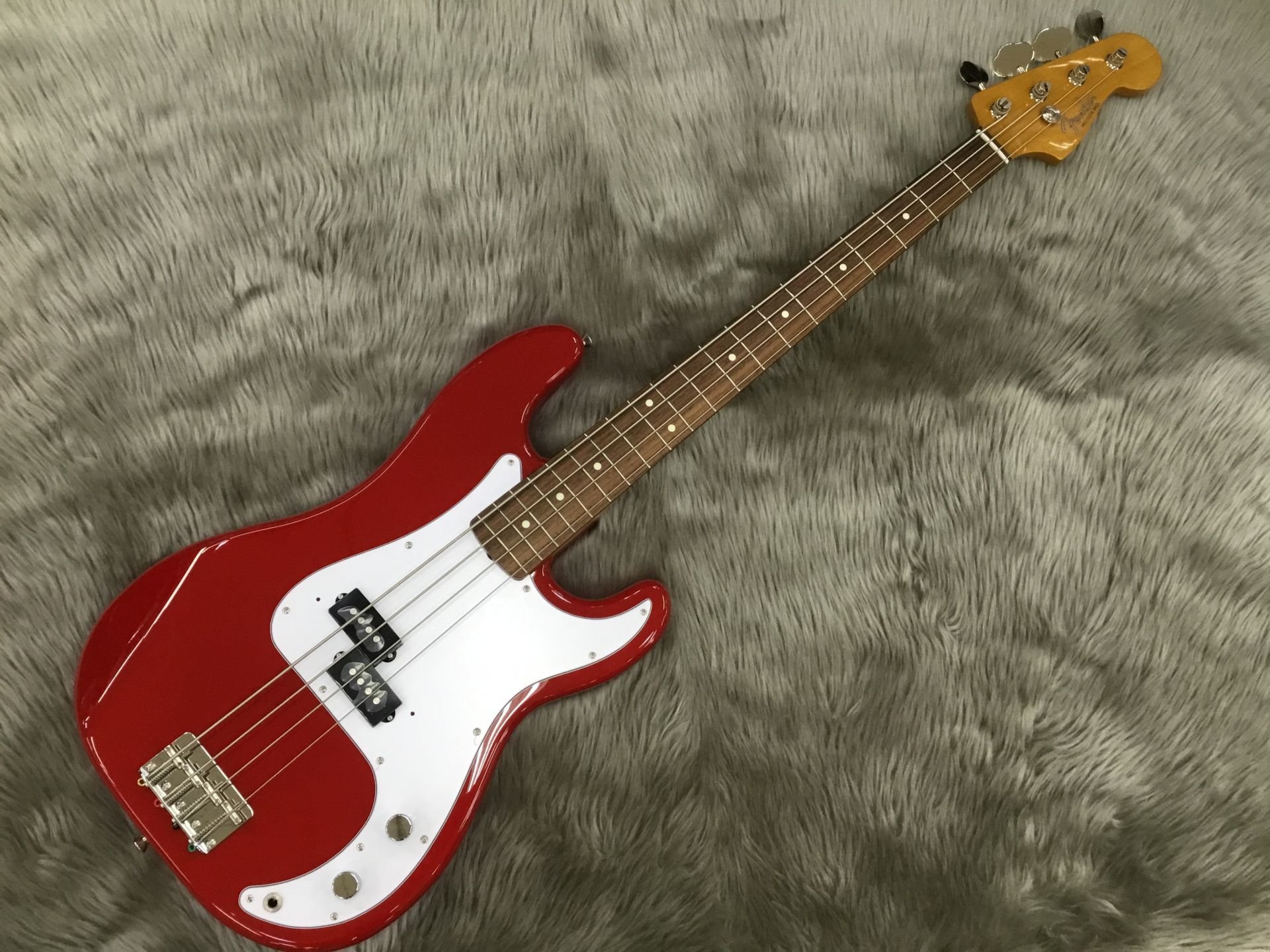 Made in Japan Traditional 60S Precision Bassのボディトップ-アップ画像