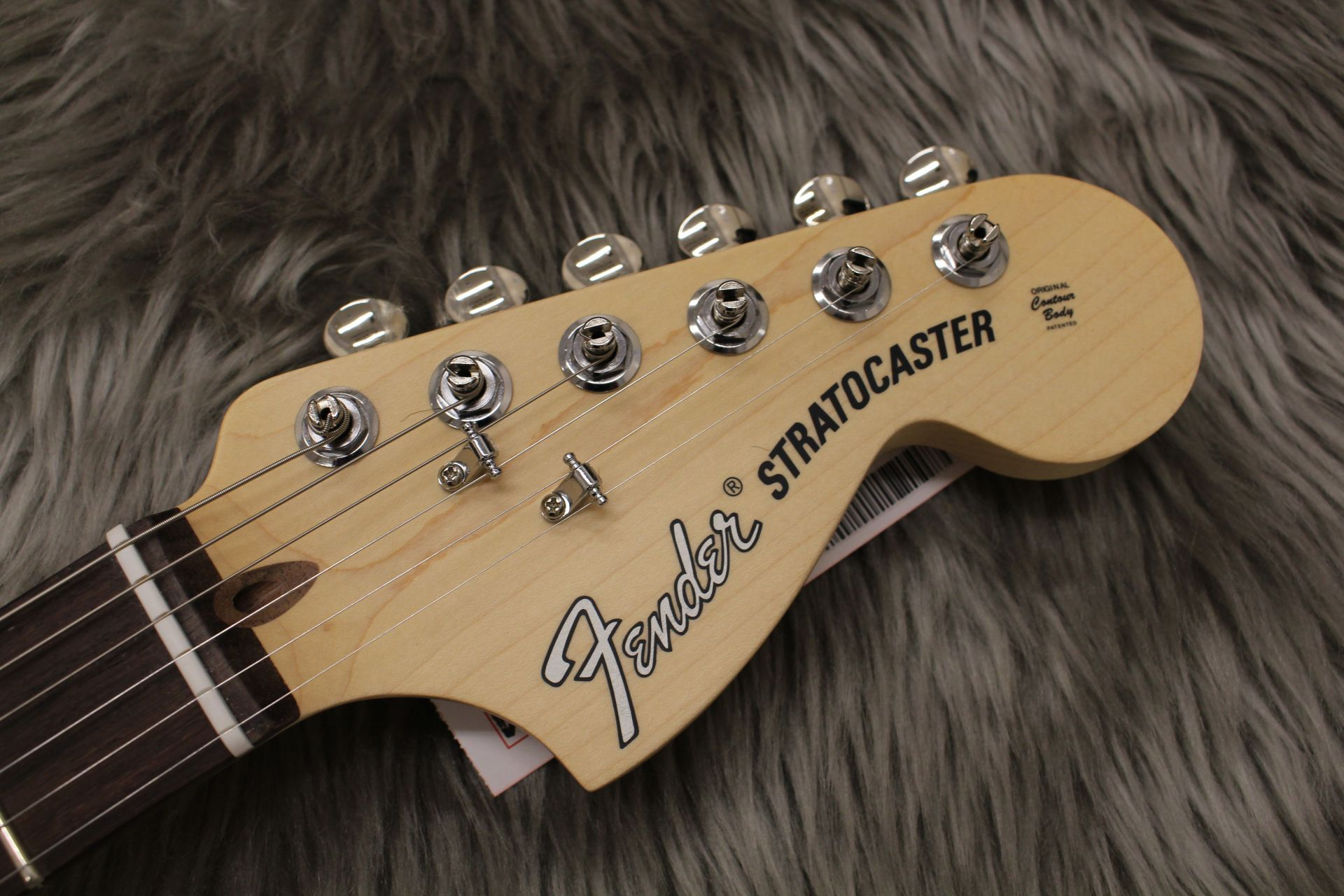 AMERICAN PERFORMER STRATOCASTERのヘッド画像
